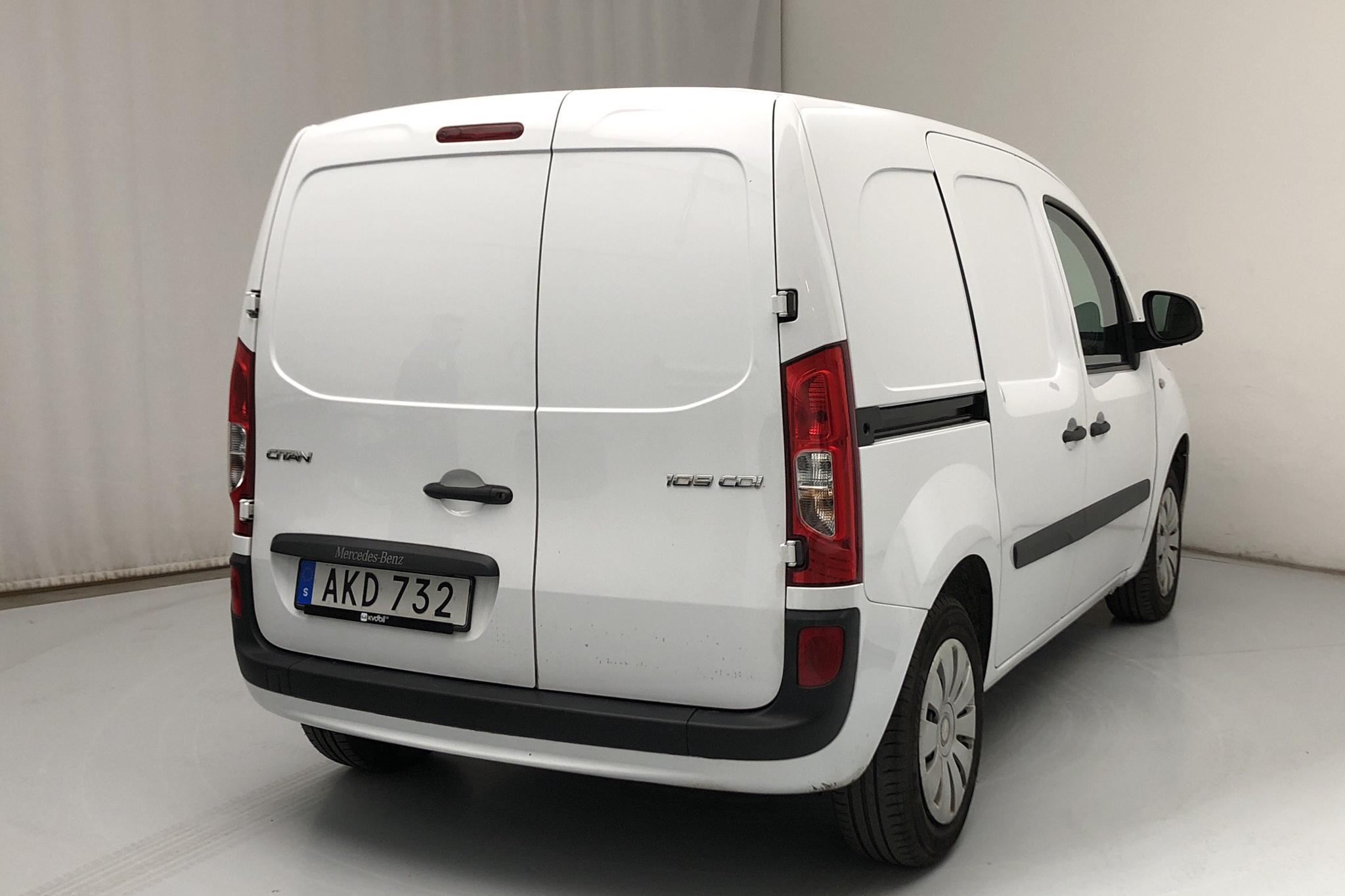 Mercedes Citan 109 1.5 CDI (90hk) - 4 303 mil - Manuell - vit - 2019