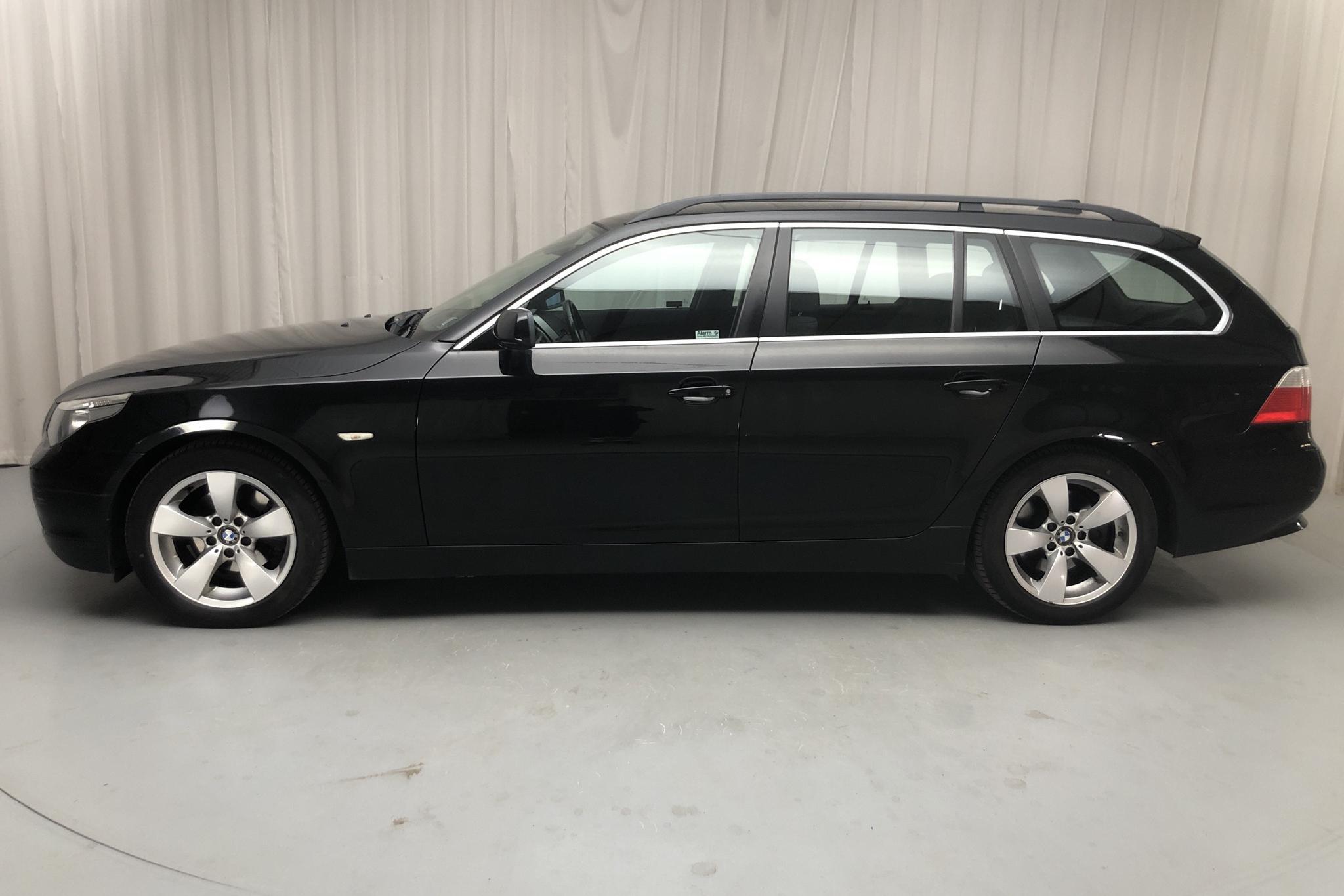 BMW 523i Touring, E61 (177hk) - 189 520 km - Manual - black - 2007