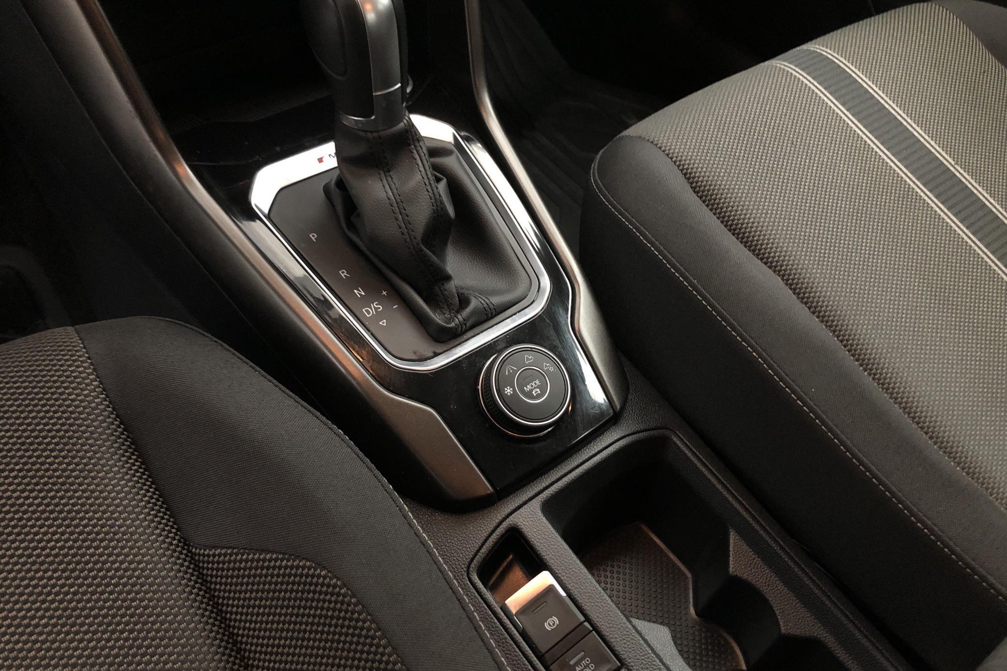 VW T-Roc 2.0 TSI 4MOTION (190hk) - 2 630 mil - Automat - grå - 2018