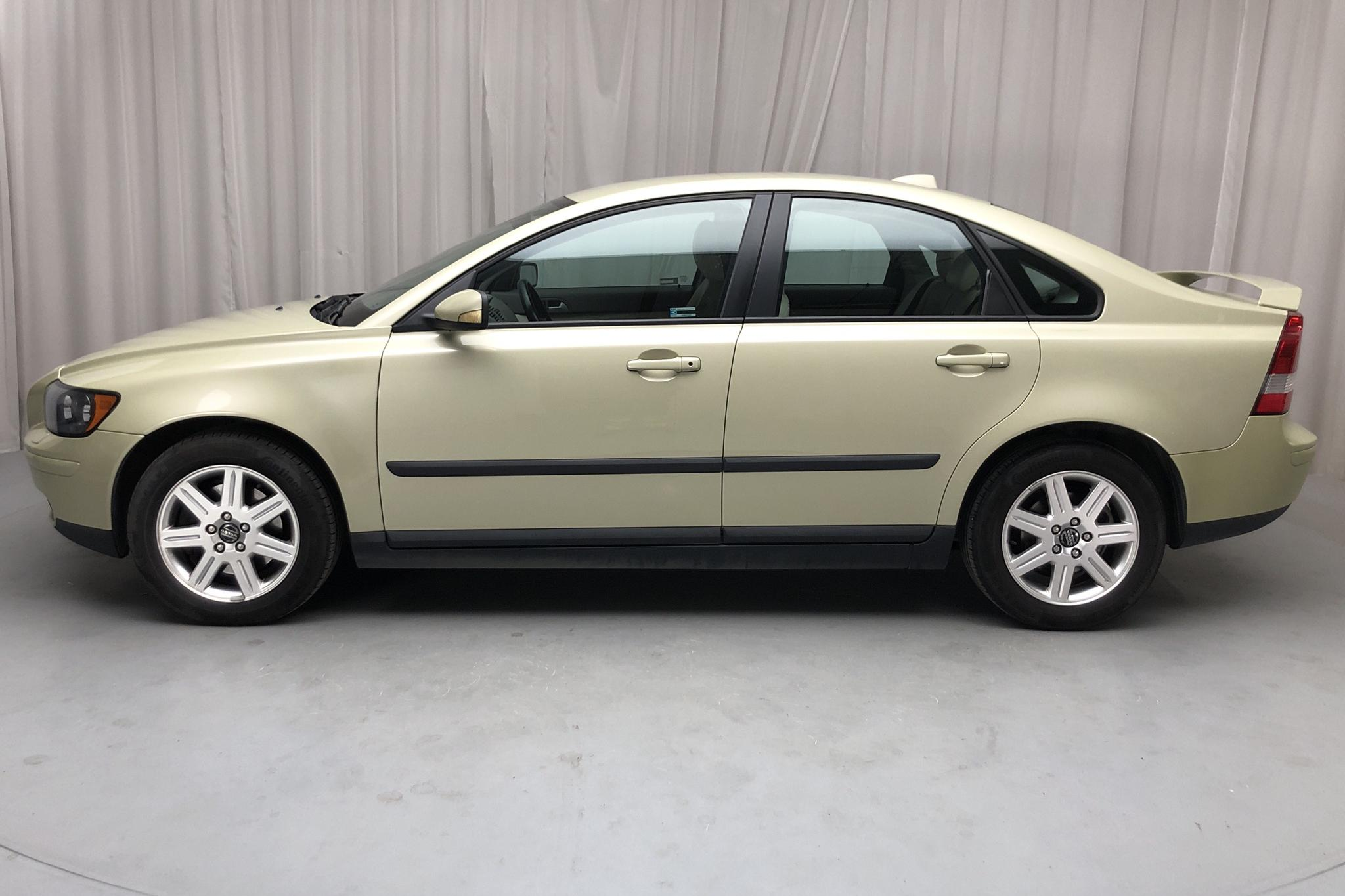 Volvo S40 2.0D (136hk) - 128 570 km - Manual - Light Green - 2005
