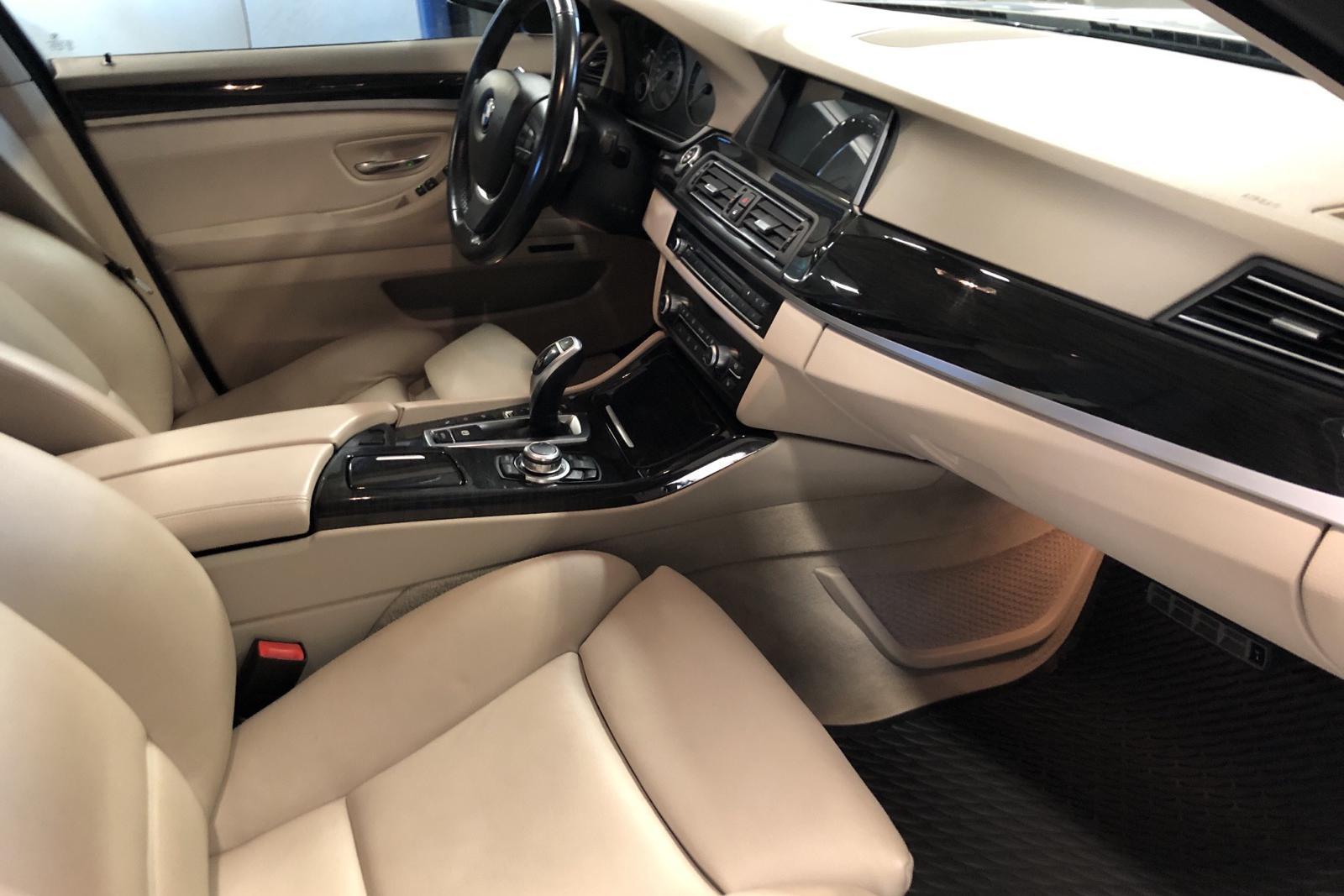 BMW 535i xDrive Sedan, F10 (306hk) - 9 298 mil - Automat - silver - 2011