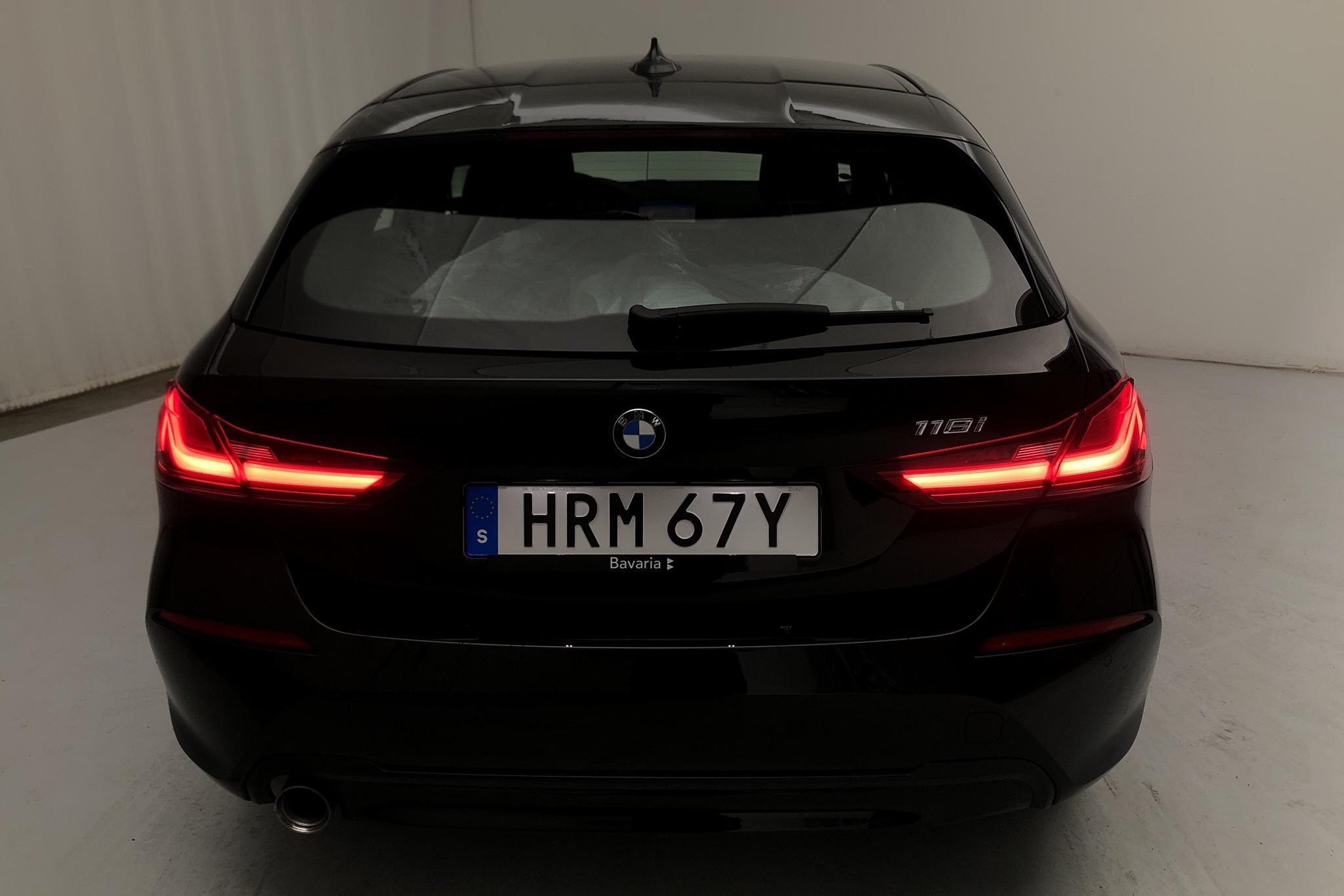 BMW 118i 5dr, F40 (140hk) - 944 mil - Automat - svart - 2021