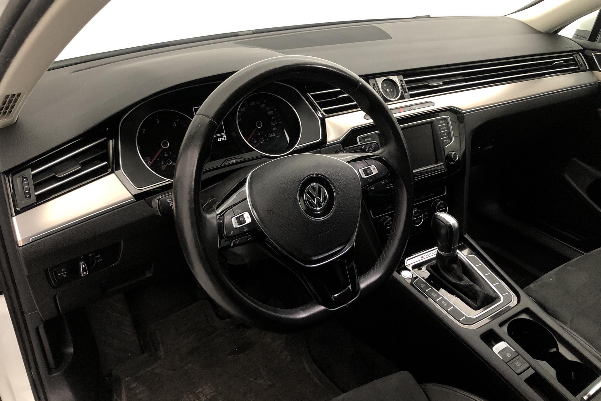 VW Passat 2.0 TDI Sportscombi 4MOTION (190hk) - 121 370 km - Automatic - white - 2016