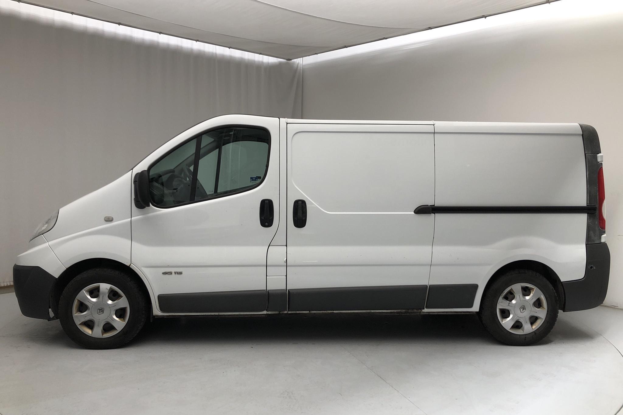 Renault Trafic 2.0 dCi Skåp/Buss (115hk) - 13 423 mil - Automat - vit - 2012