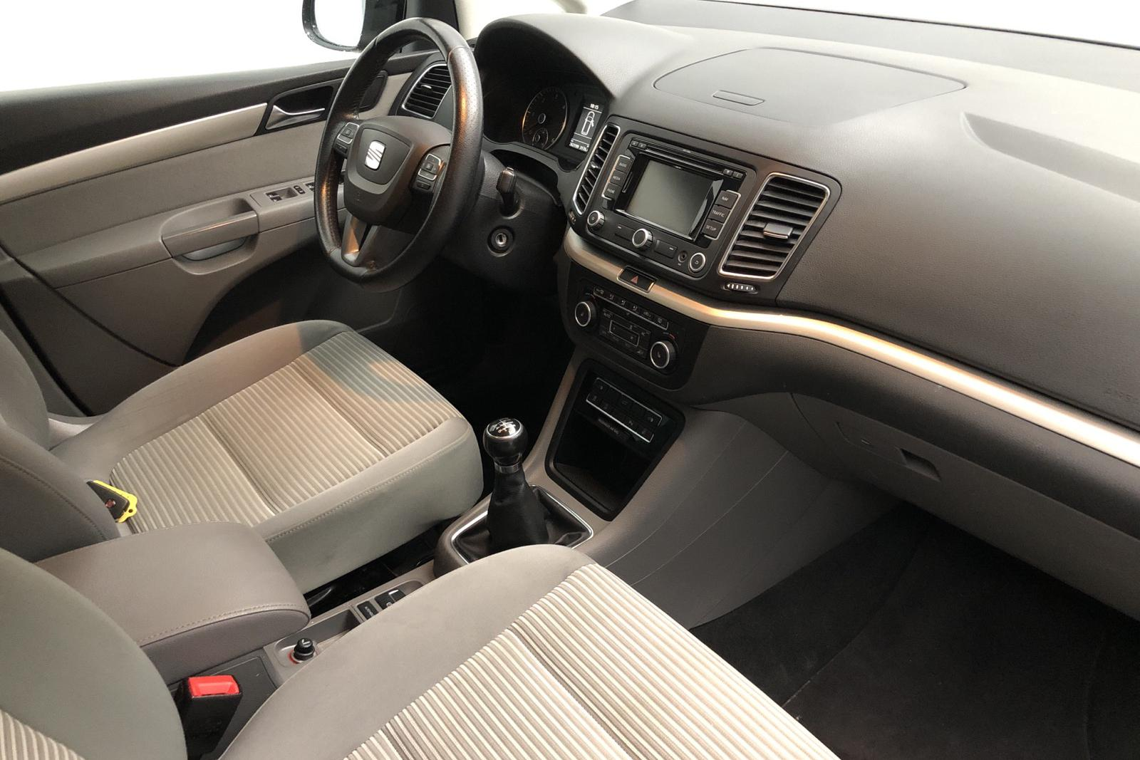 Seat Alhambra 2.0 CR (170hk) - 26 219 mil - Manuell - svart - 2011