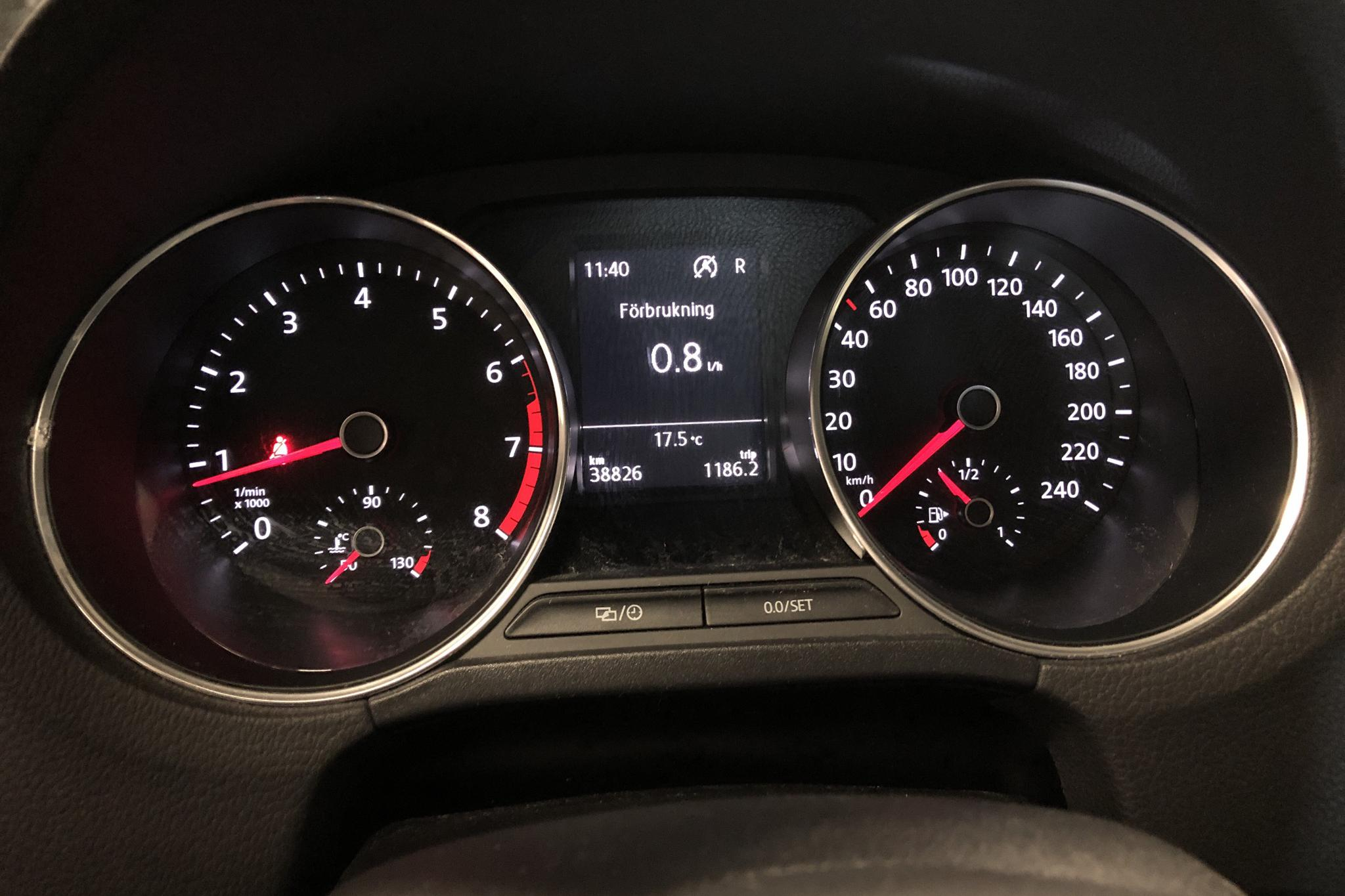 VW Polo 1.2 TSI 5dr (90hk) - 38 830 km - Automatic - white - 2017