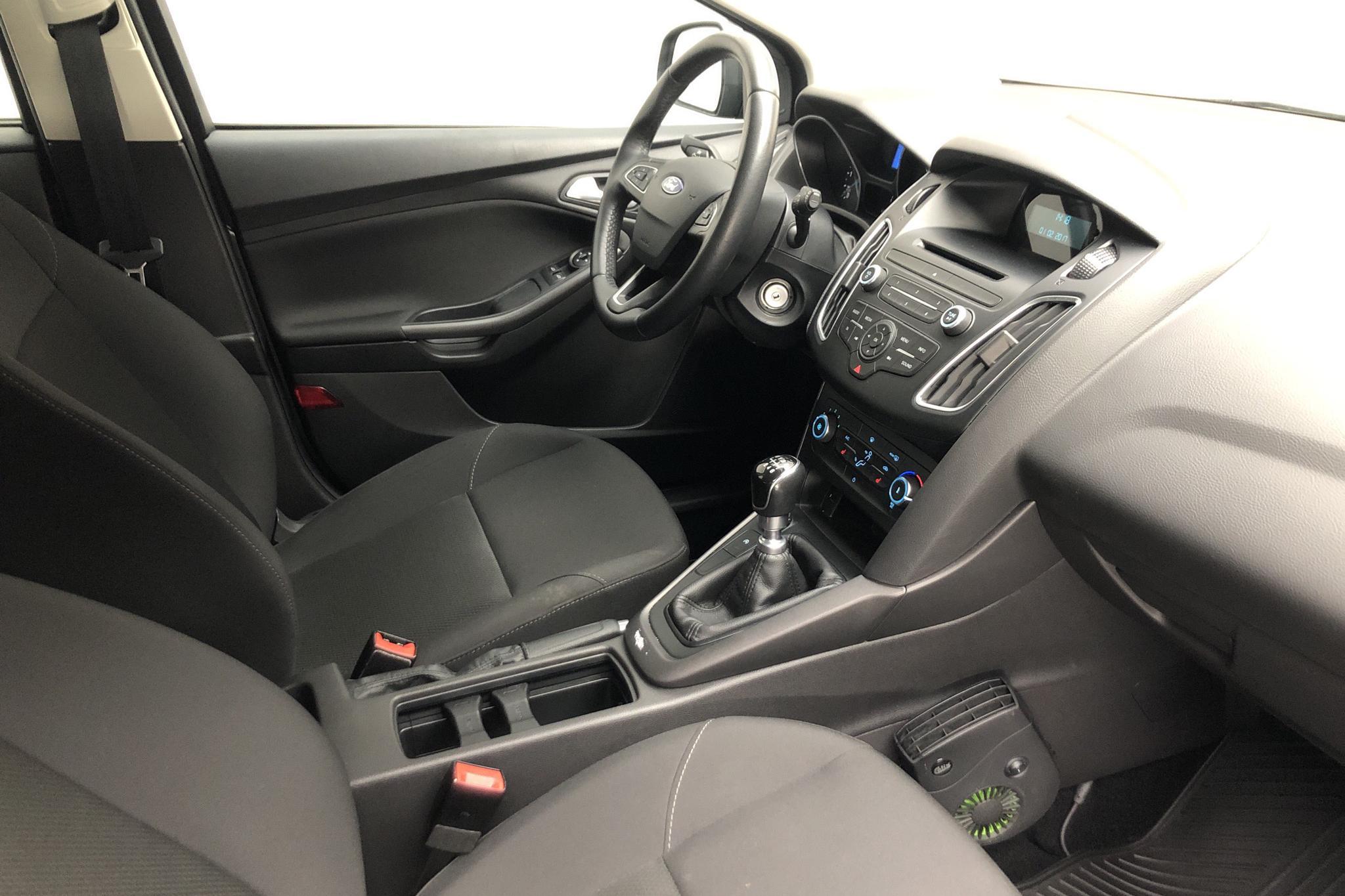 Ford Focus 1.5 TDCi Kombi (95hk) - 2 064 mil - Manuell - grå - 2016