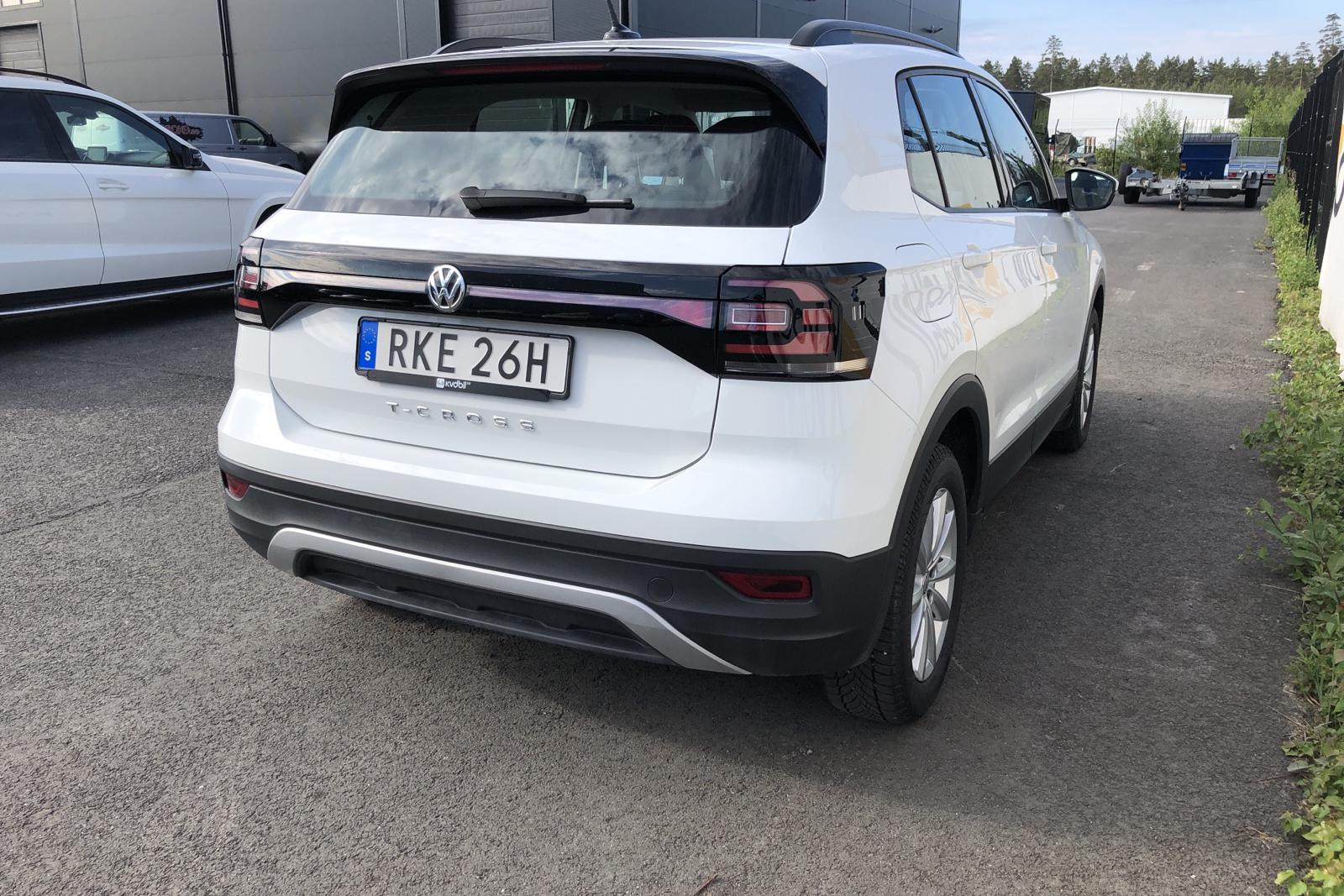 VW T-Cross 1.0 TSI (95hk) - 2 251 mil - Manuell - vit - 2020