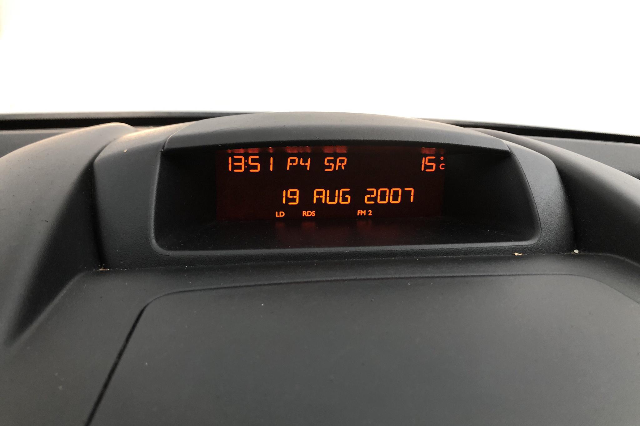 Citroen Berlingo III 1.6 HDi Skåp (90hk) - 101 220 km - Automatic - white - 2015