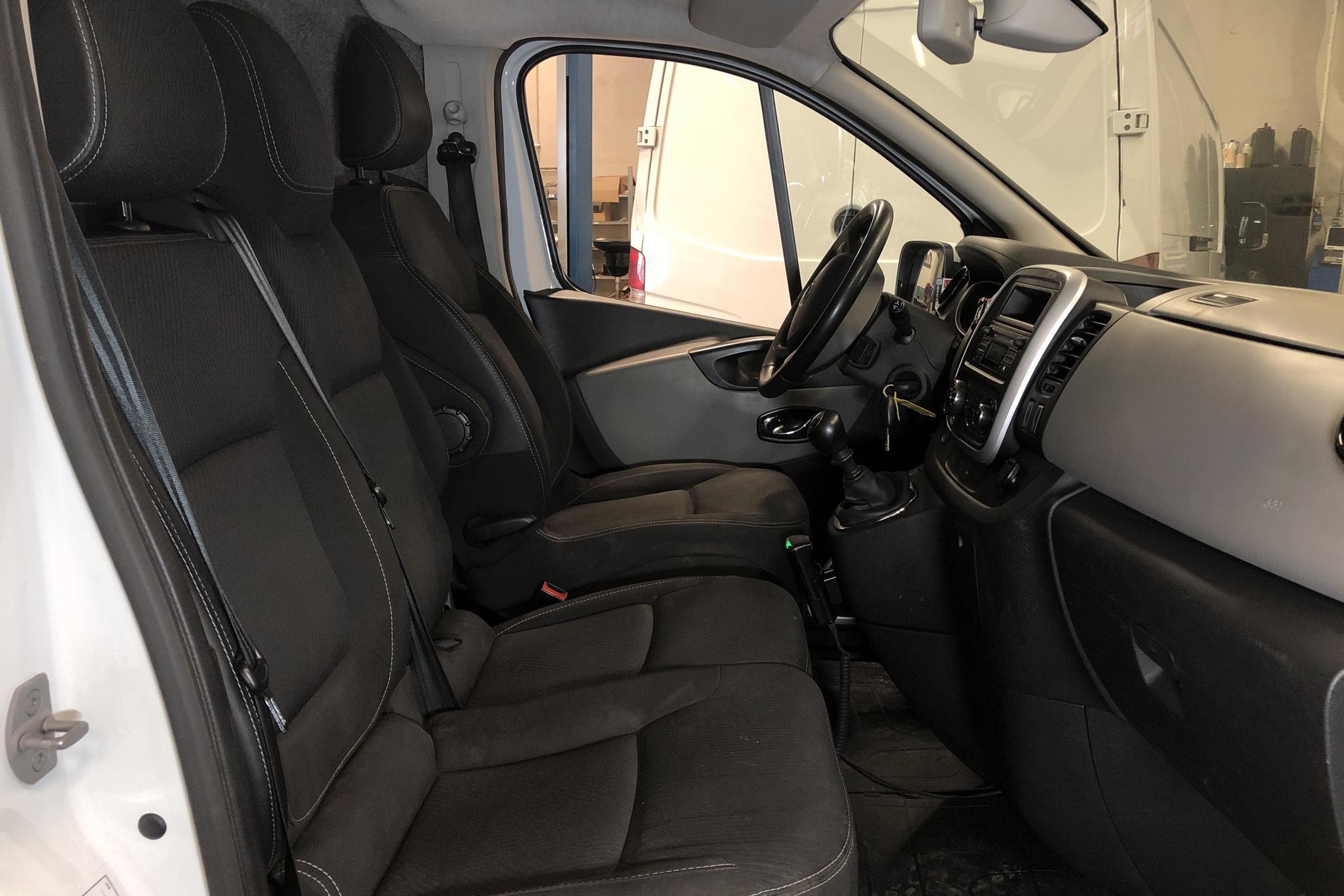Nissan NV300 1.6 dCi (120hk) - 197 310 km - Manual - white - 2017