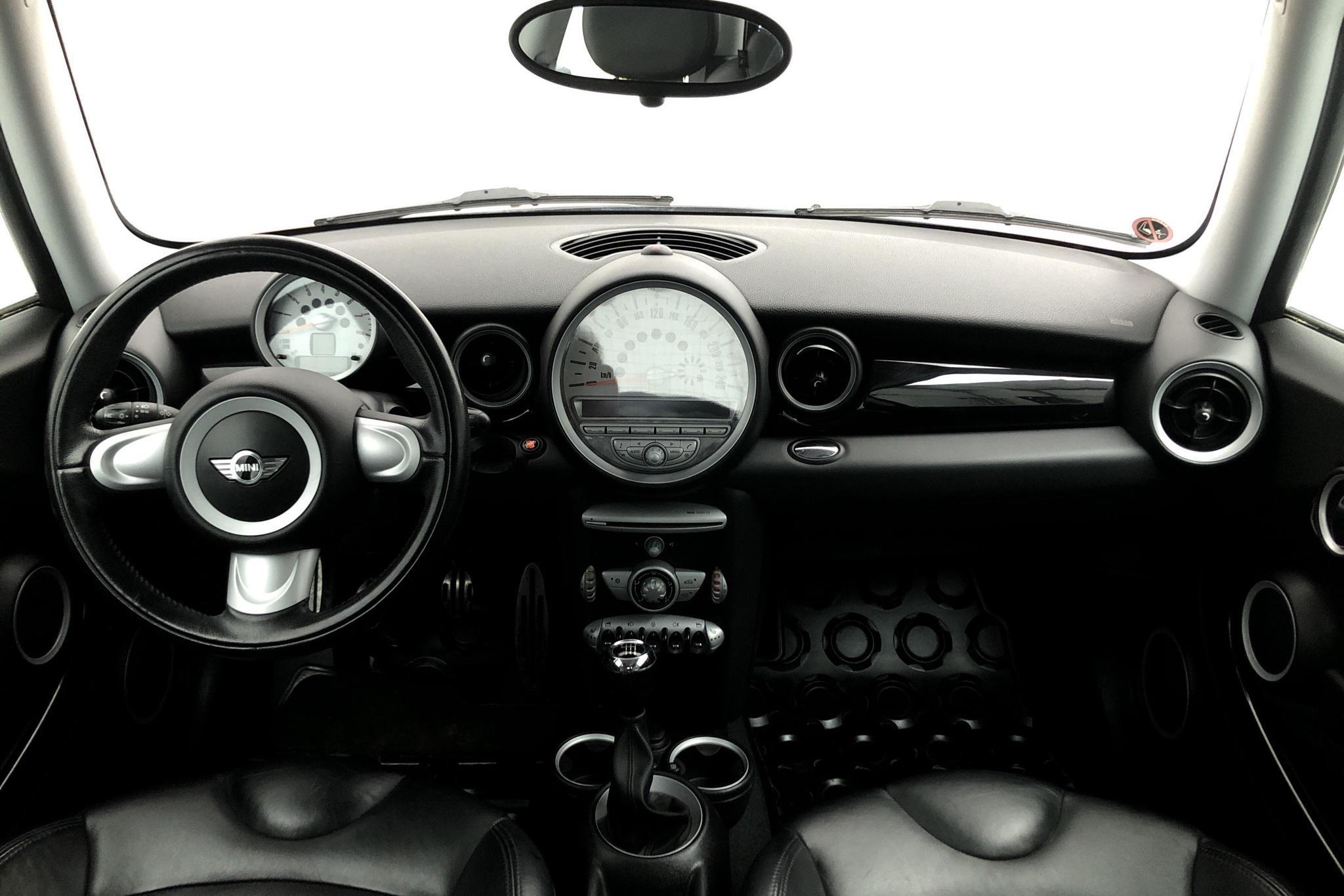 MINI Cooper 1.6 S (175hk) - 6 832 mil - Manuell - röd - 2007