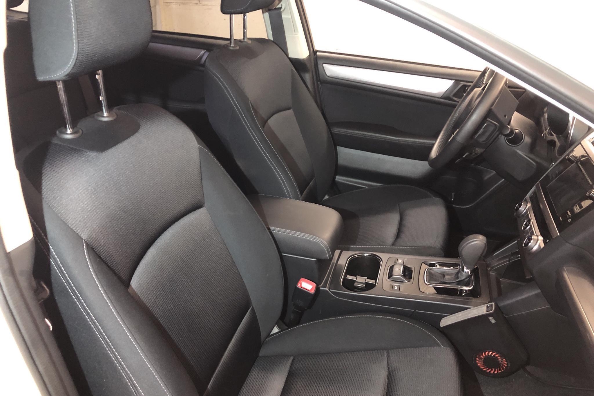 Subaru Outback 2.0D (150hk) - 8 404 mil - Automat - vit - 2017