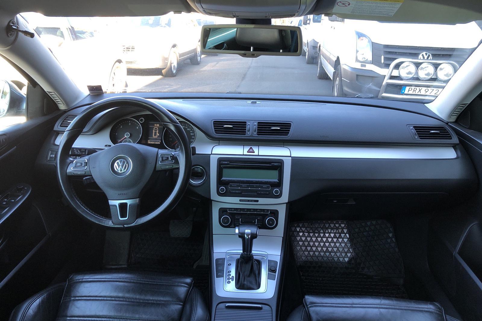 VW Passat 2.0 TDI 4-Motion Variant (170hk) - 283 400 km - Automatic - Light Grey - 2010