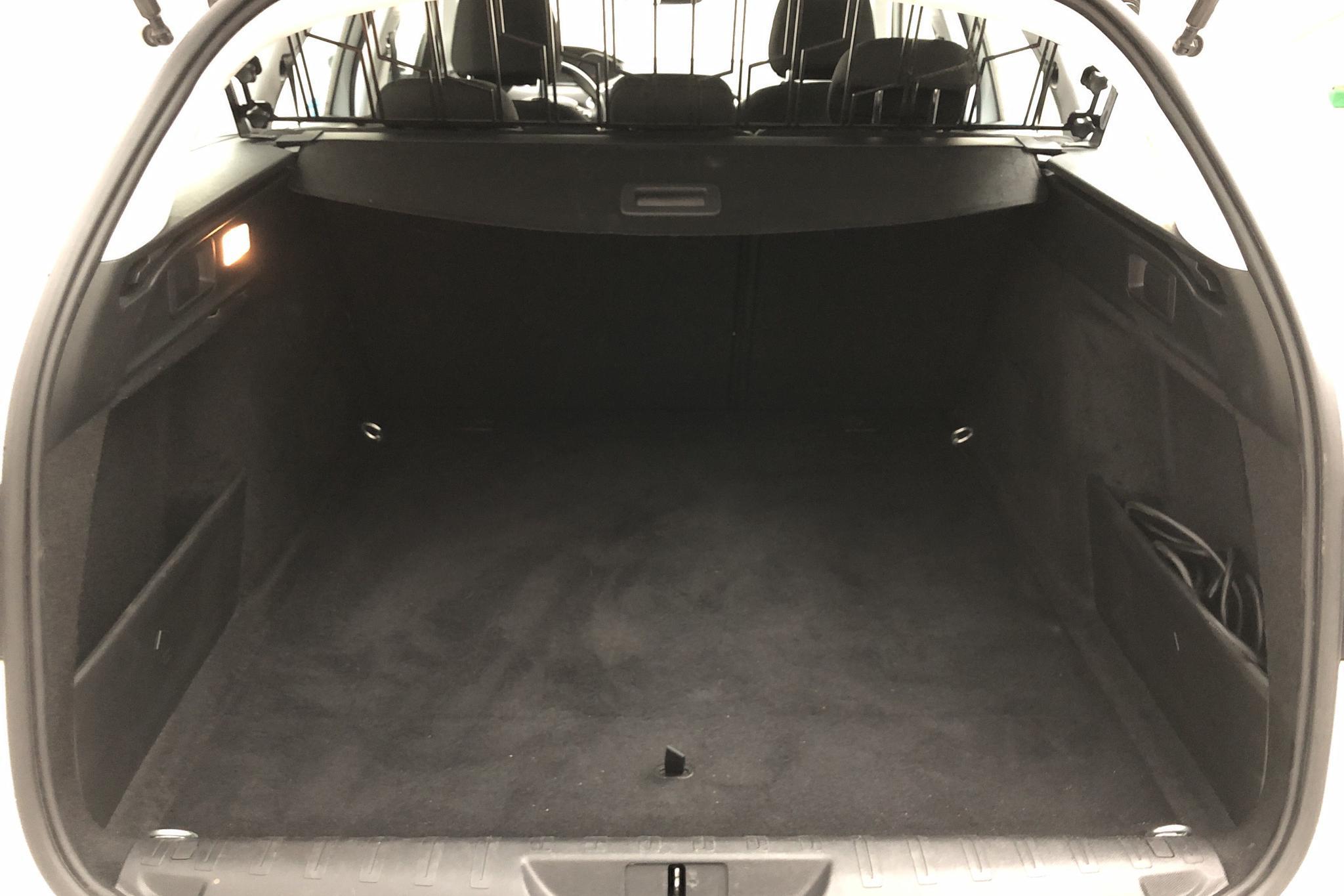 Peugeot 308 SW BlueHDi (120hk) - 19 980 km - Manual - white - 2017