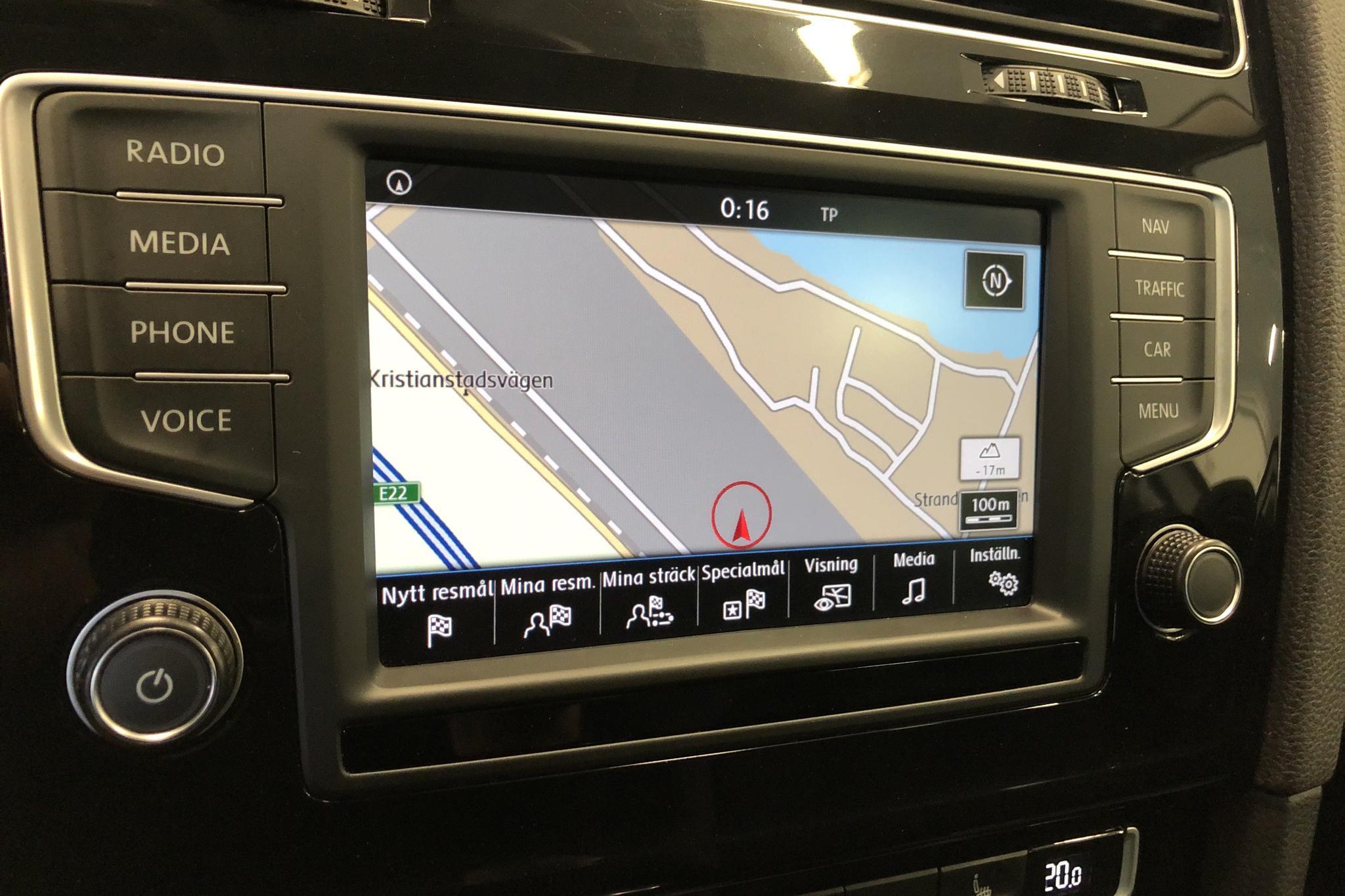 VW Golf VII 2.0 TDI BlueMotion Technology Sportscombi (150hk) - 134 740 km - Automatic - white - 2016