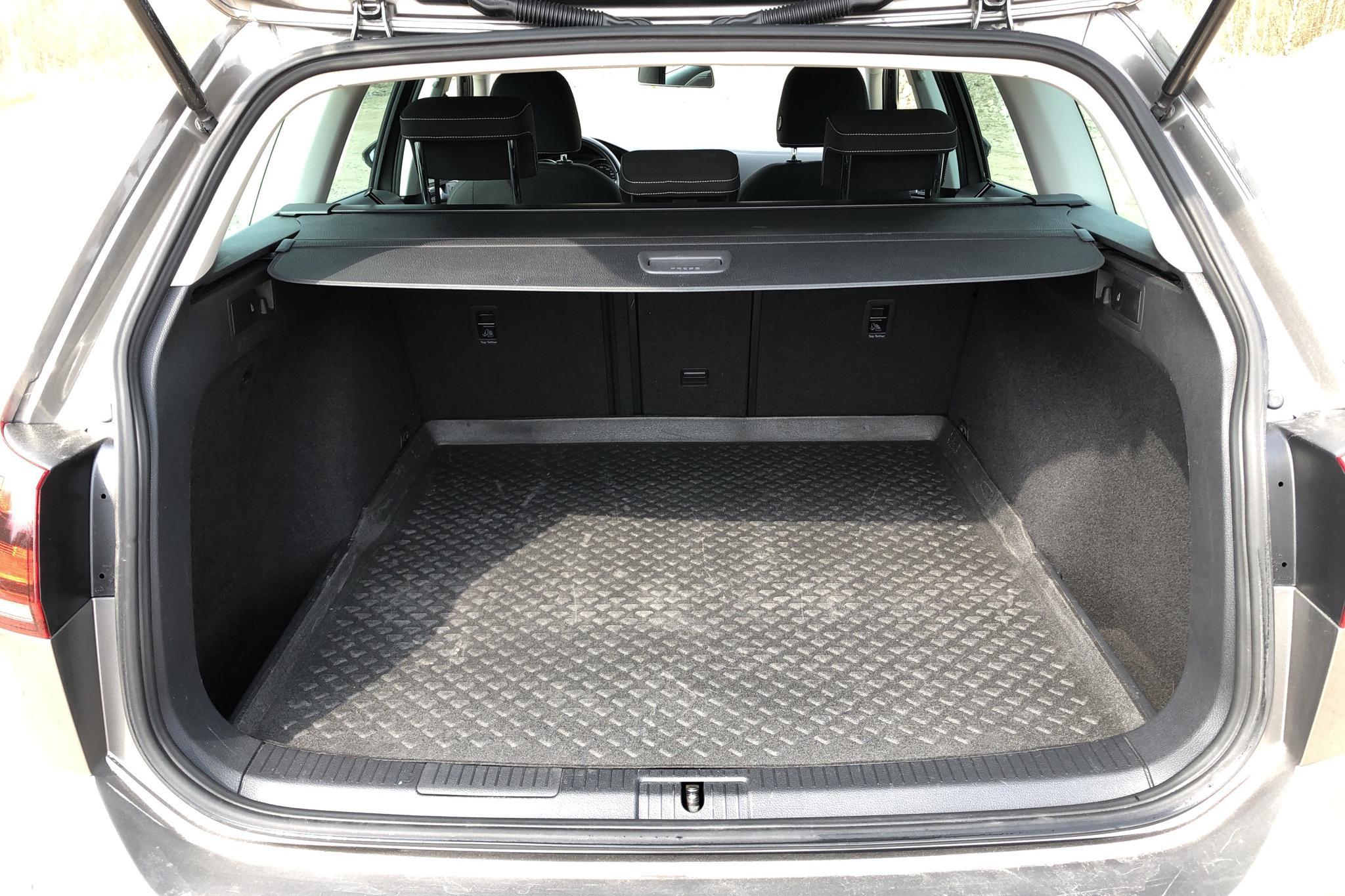 VW Golf VII 1.4 TSI Sportscombi (140hk) - 136 050 km - Manual - gray - 2014