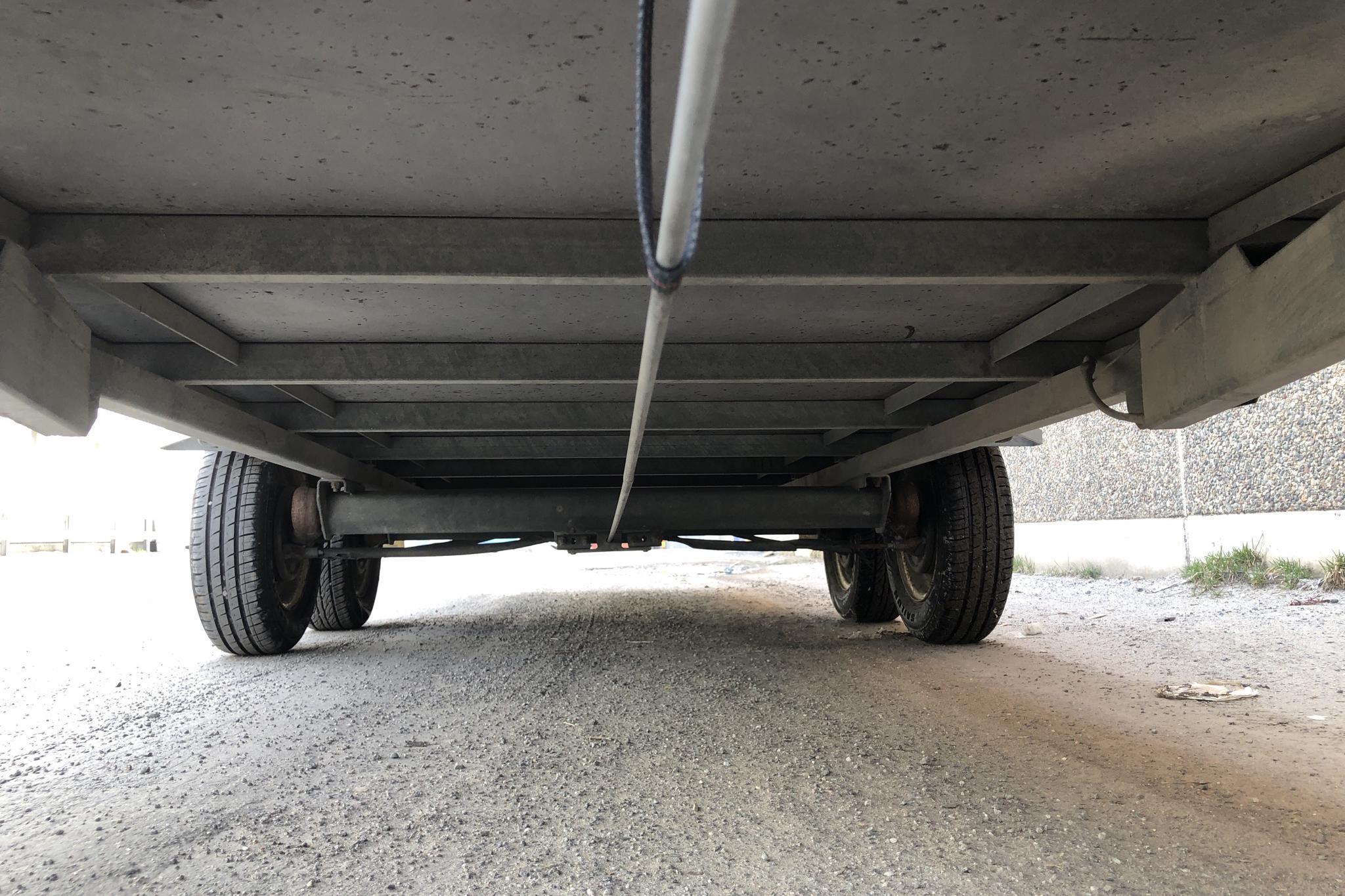 CO SLÄPET ET 1400 WMB Släpvagn med uppkörningsramp - 0 km - Light Grey - 1996