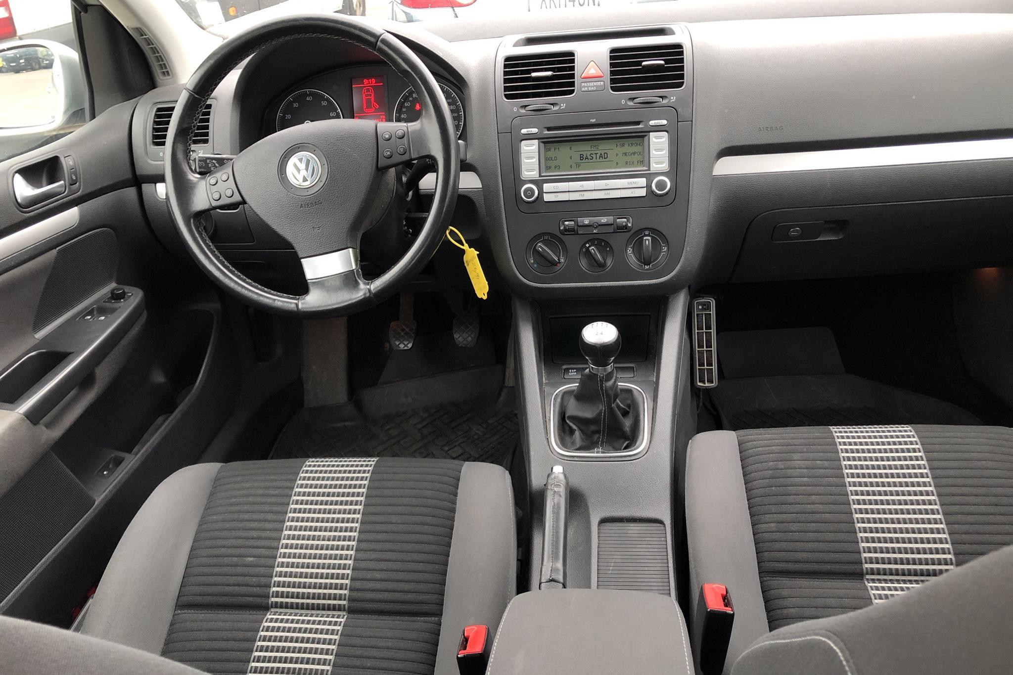 VW Golf A5 1.6 MultiFuel E85 5dr (102hk) - 162 450 km - Manual - silver - 2009