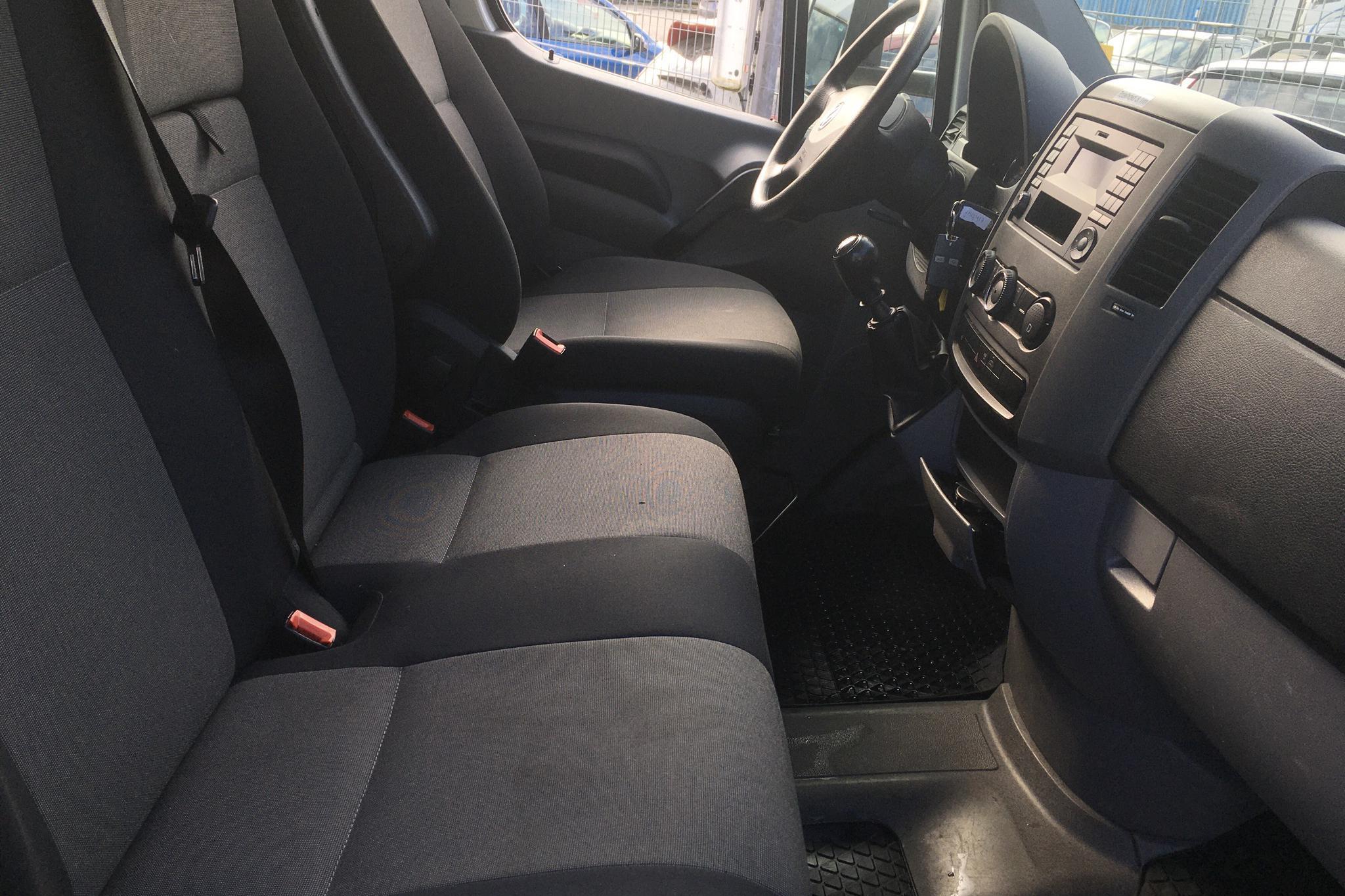 VW Crafter 35 2.0 TDI Volymskåp (163hk) - 7 136 mil - Manuell - vit - 2016