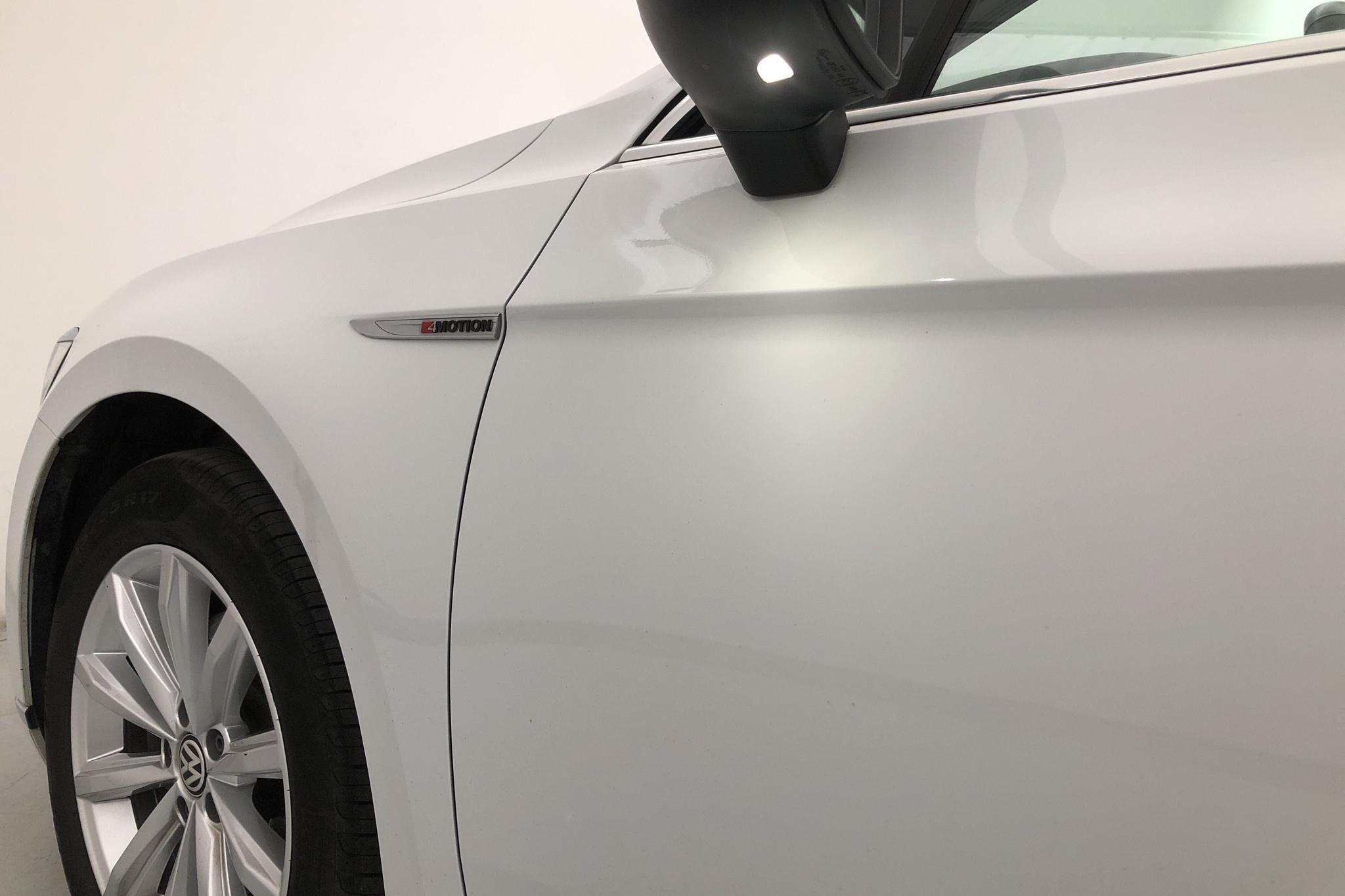 VW Passat 2.0 TDI Sportscombi 4MOTION (190hk) - 13 122 mil - Automat - vit - 2018