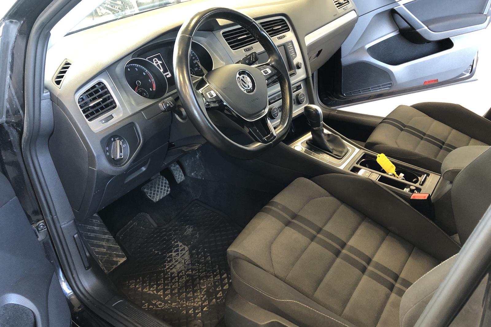 VW Golf VII 1.4 TGI BlueMotion Sportscombi (110hk) - 73 980 km - Automatic - black - 2017