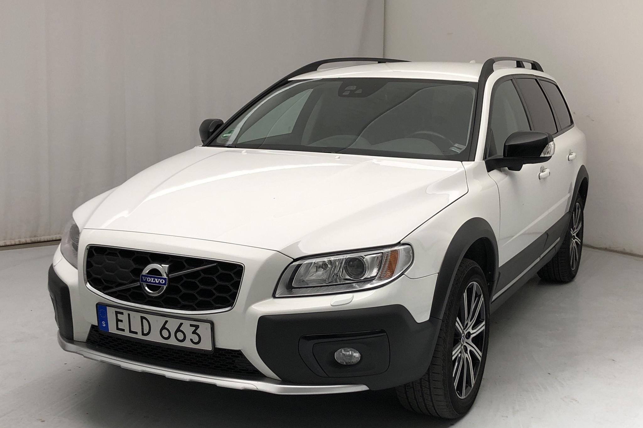 Volvo XC70 II D4 AWD (181hk) - 130 260 km - Manual - white - 2016