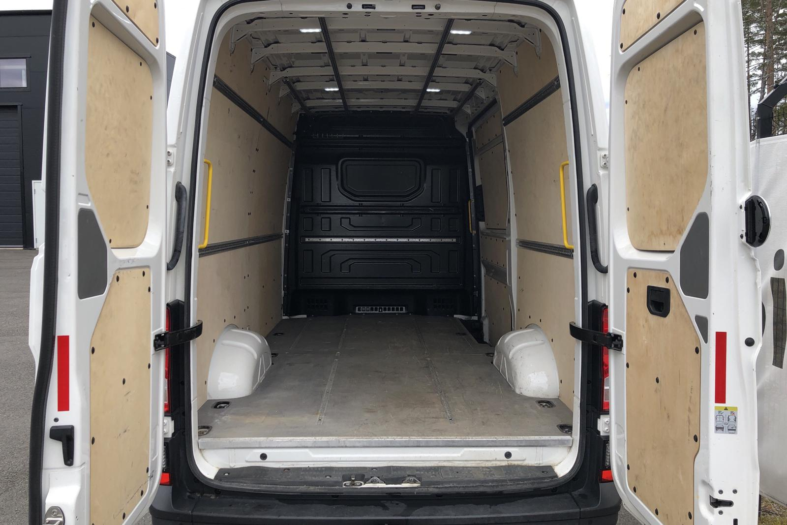 VW Crafter 35 2.0 TDI Skåp 4Motion (177hk) - 192 880 km - Manual - white - 2018