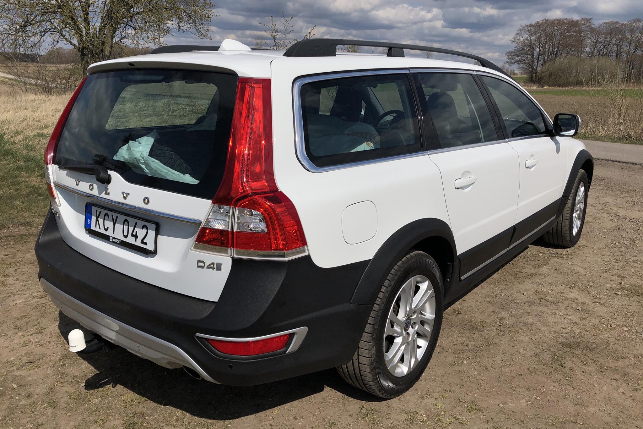 Volvo XC70 II D4 2WD (181hk) - 156 890 km - Manual - white - 2016