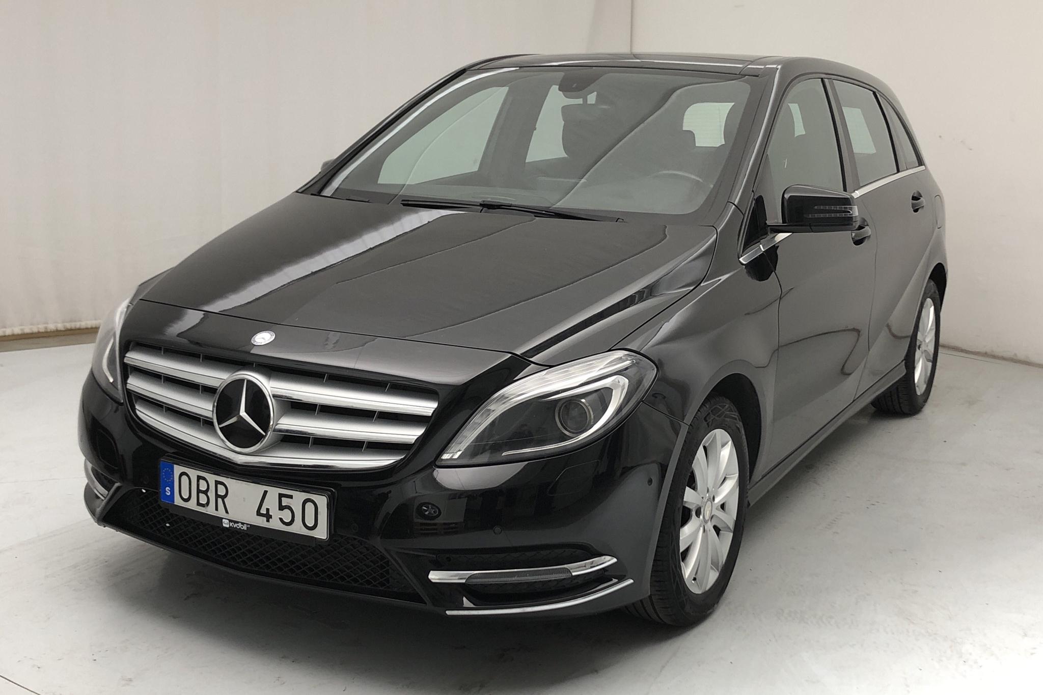 Mercedes B 180 CDI W246 (109hk) - 202 030 km - Automatic - black - 2014