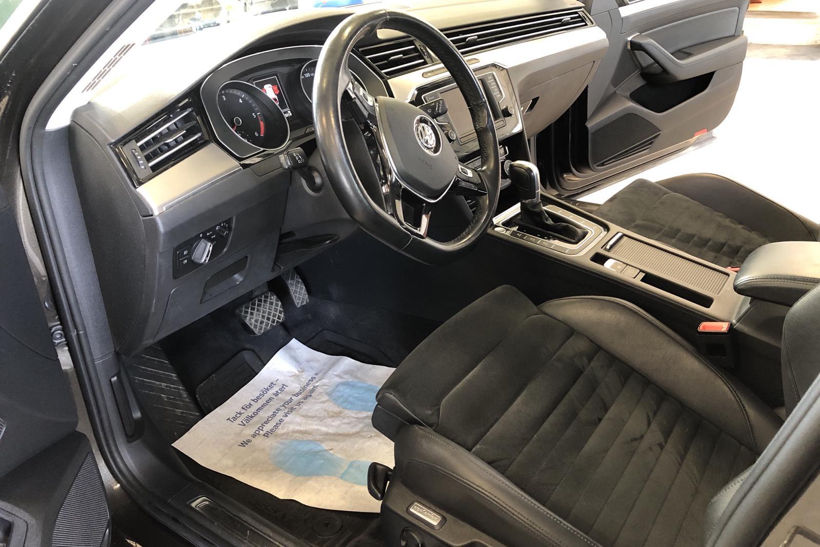 VW Passat 2.0 TDI Sportscombi (190hk) - 7 822 mil - Automat - brun - 2015