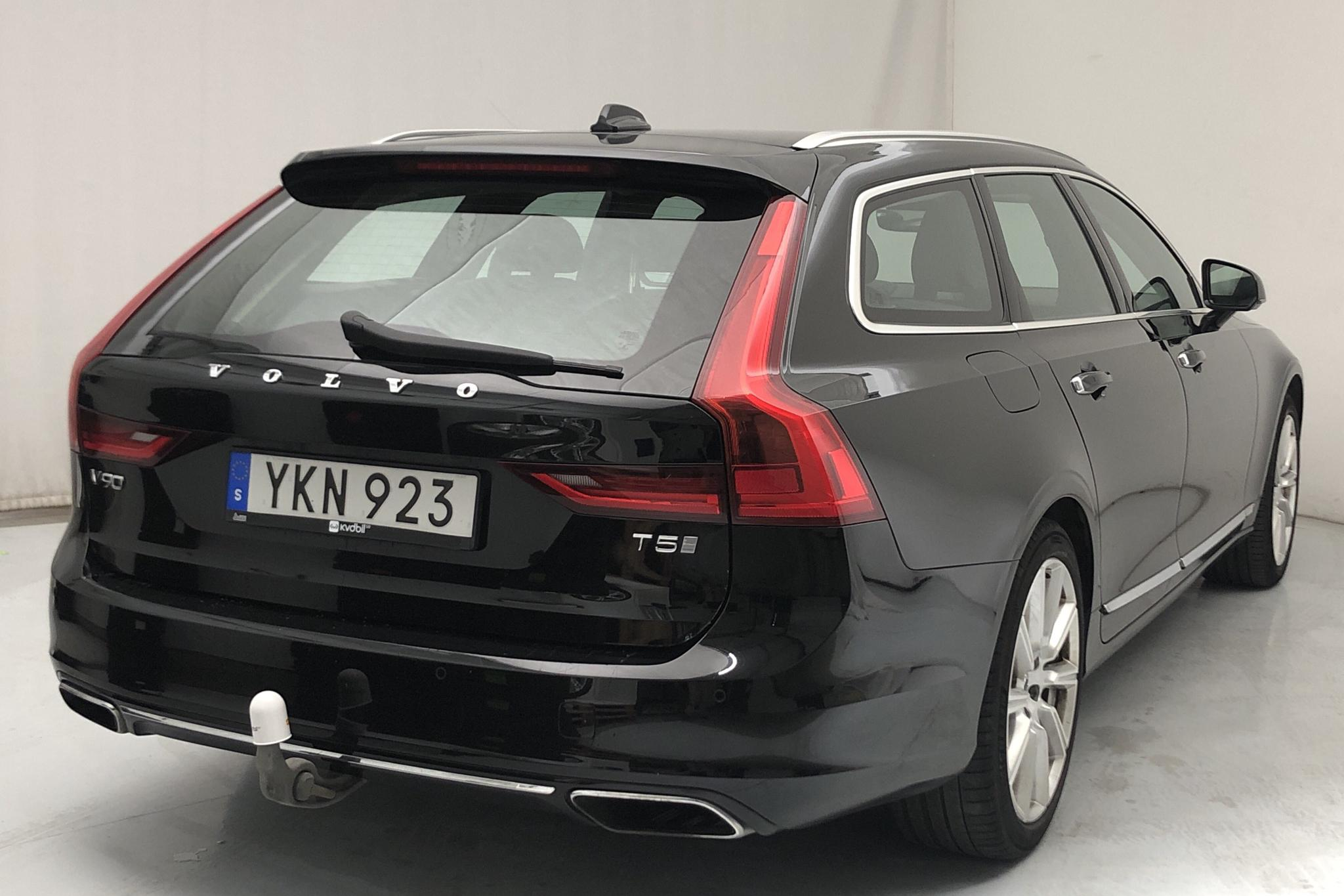 Volvo V90 T5 (254hk) - 104 350 km - Automatic - black - 2017
