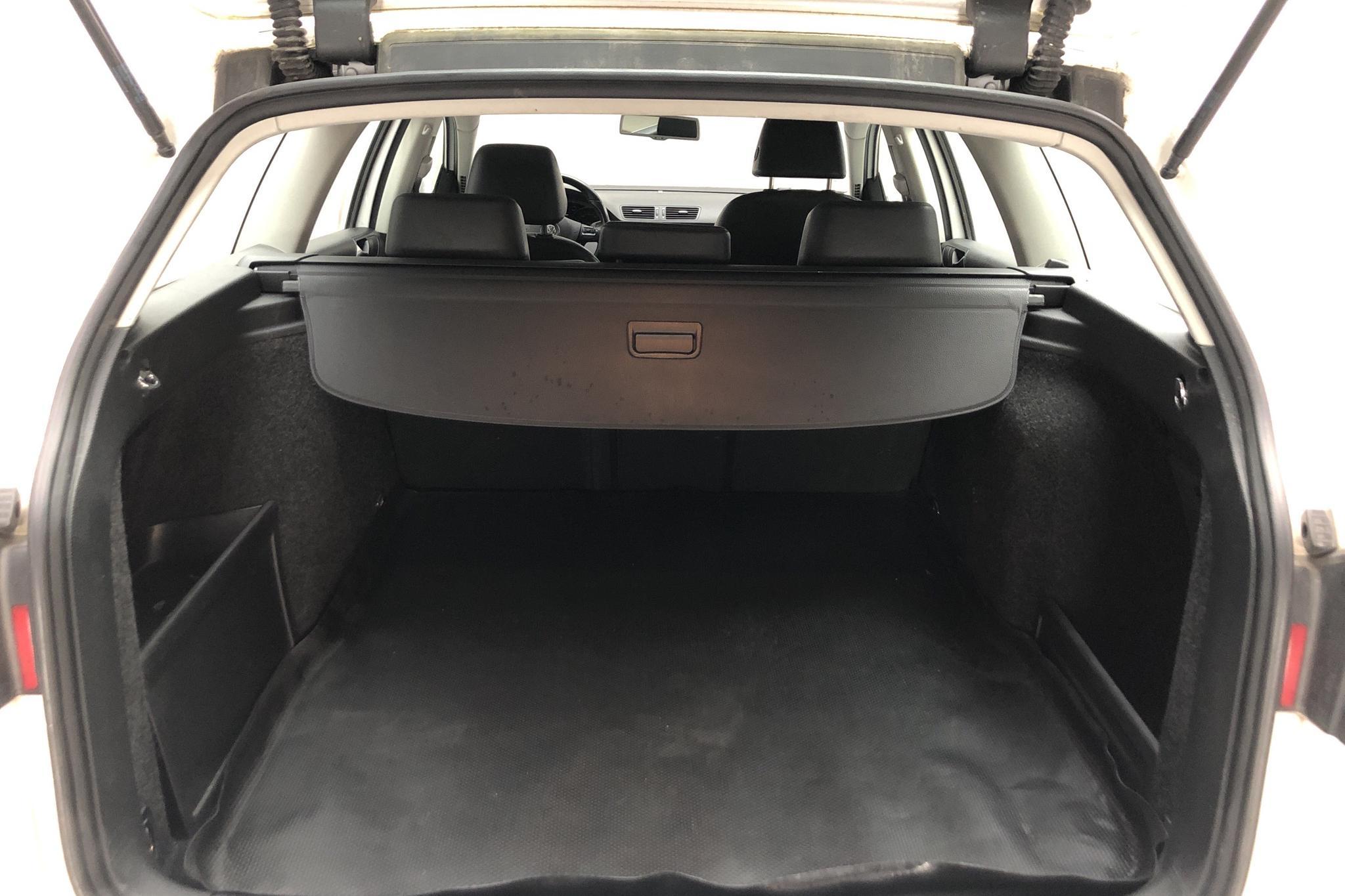 VW Passat 2.0 TDI 4-Motion Variant (170hk) - 213 810 km - Automatic - white - 2010