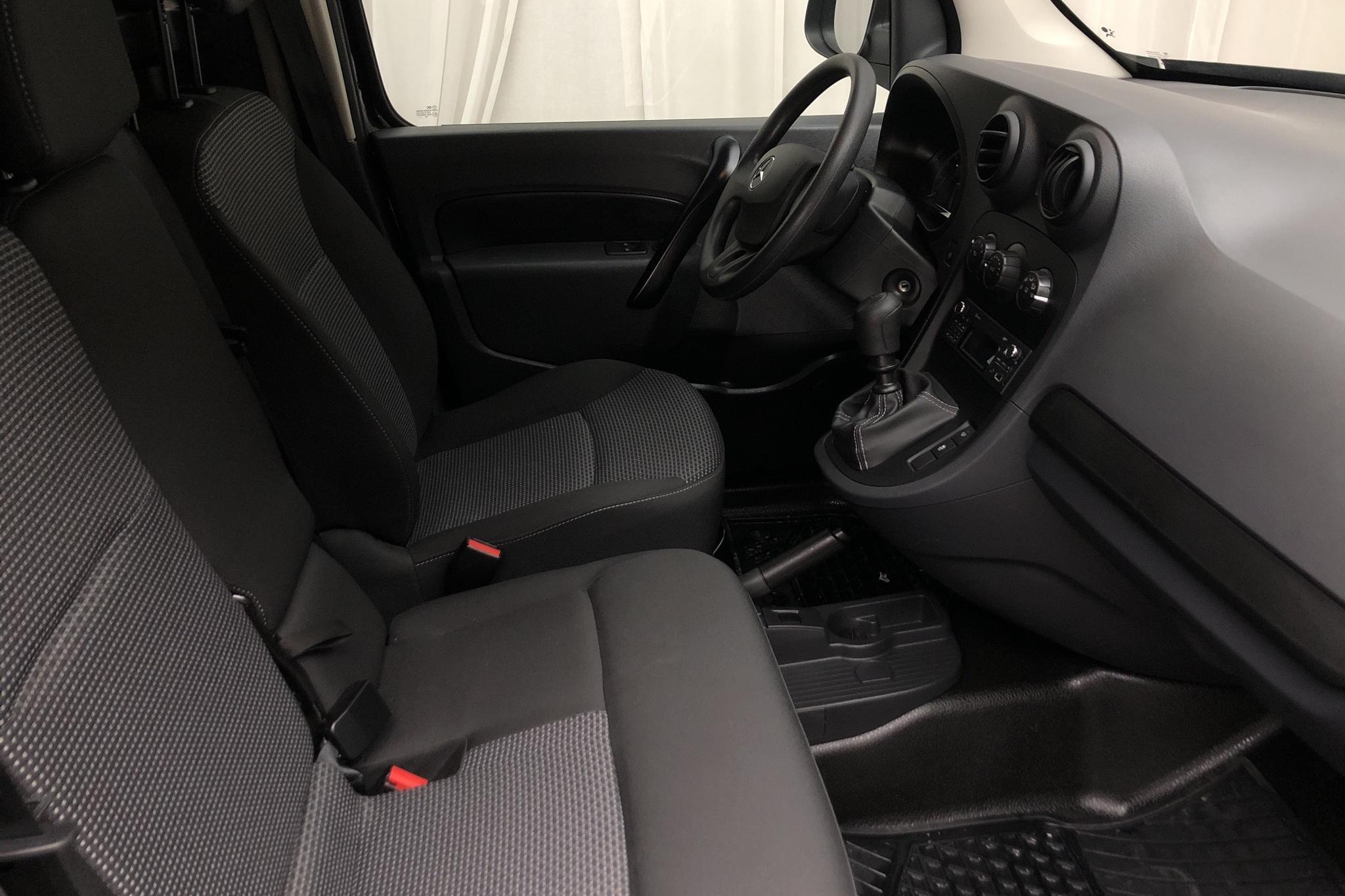 Mercedes Citan 109 1.5 CDI (95hk) - 648 mil - Manuell - svart - 2020