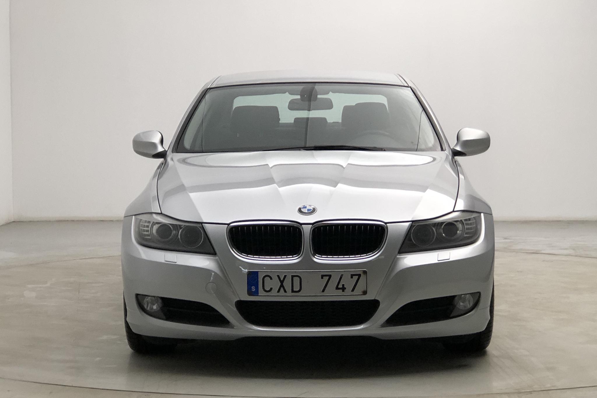BMW 320d Sedan EfficientDynamics, E90 (163hk) - 122 070 km - Manual - silver - 2010