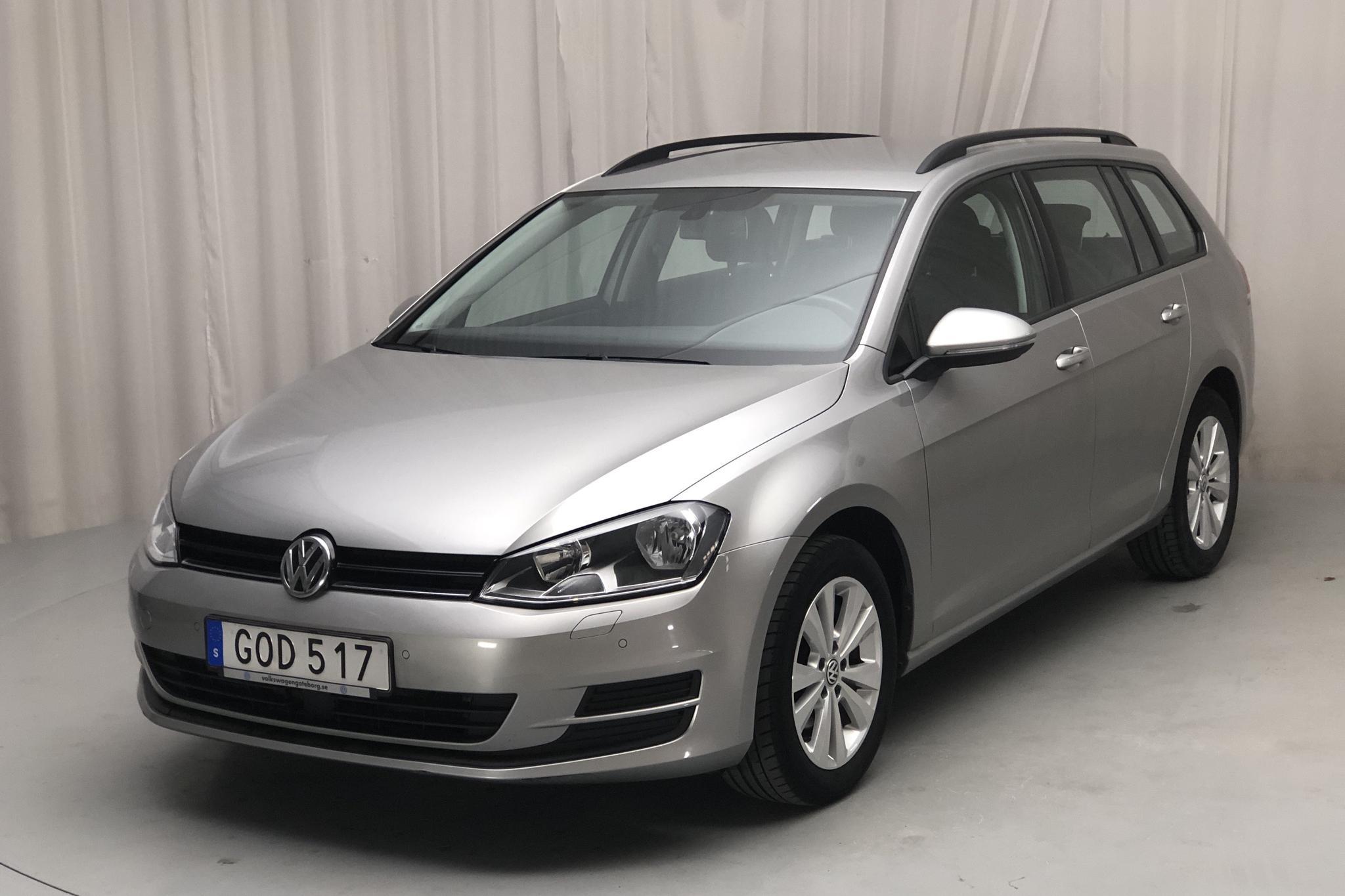 VW Golf VII 1.2 TSI Sportscombi (105hk) - 6 338 mil - Manuell - silver - 2015