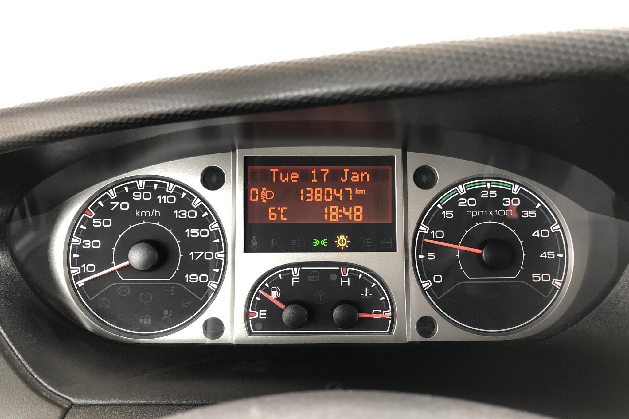 Iveco Daily 29 2.3 HPT (116hk) - 13 804 mil - Manuell - vit - 2010
