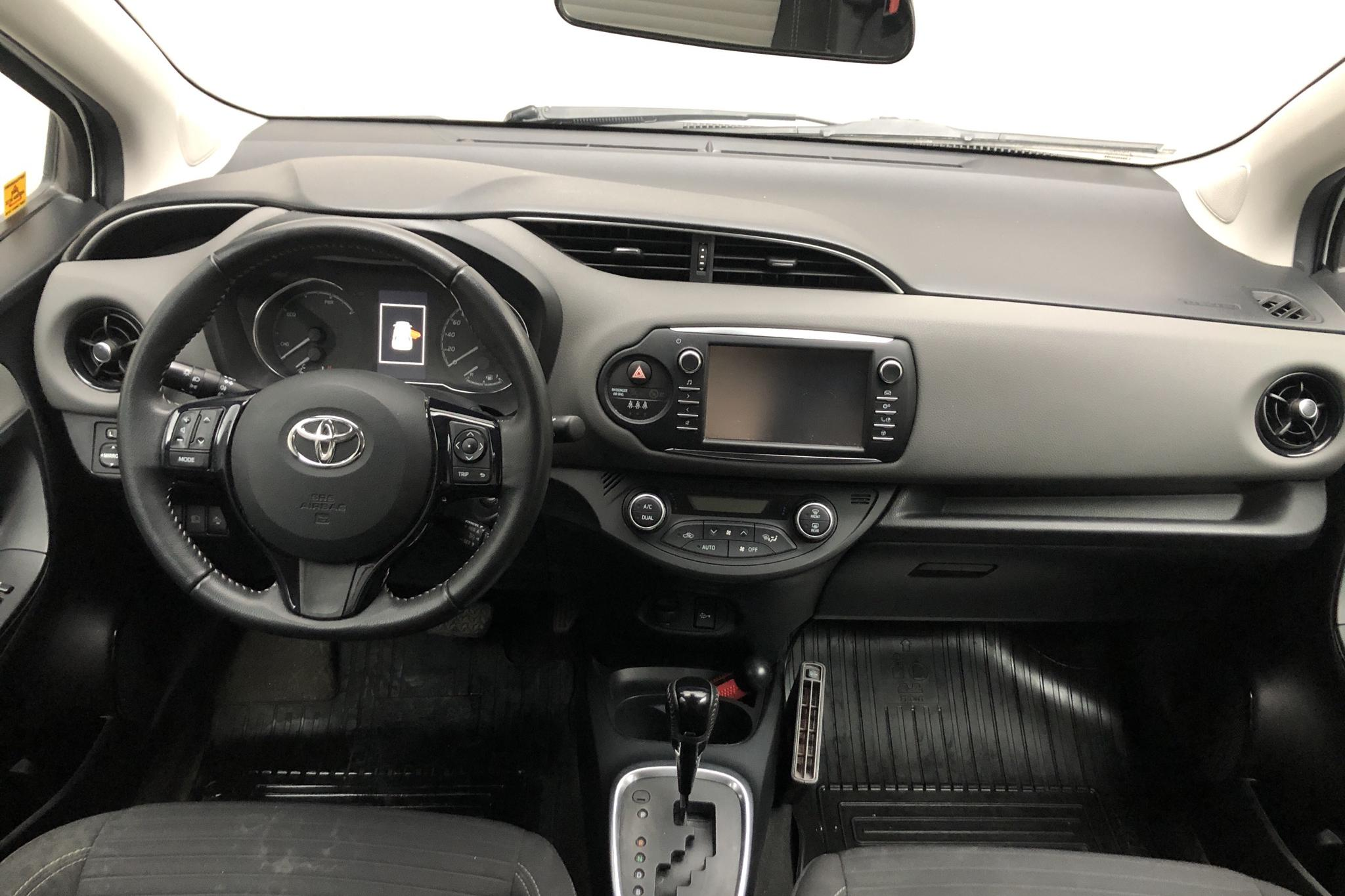 Toyota Yaris 1.5 Hybrid 5dr (101hk) - 80 770 km - Automatic - white - 2018