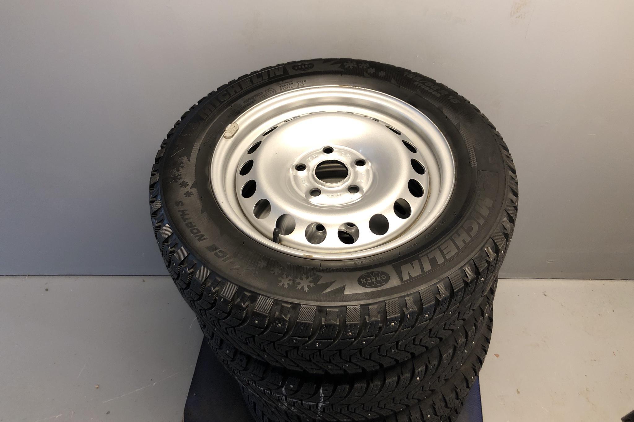 VW Caddy 2.0 TDI Skåp (75hk) - 66 870 km - Manual - black - 2017