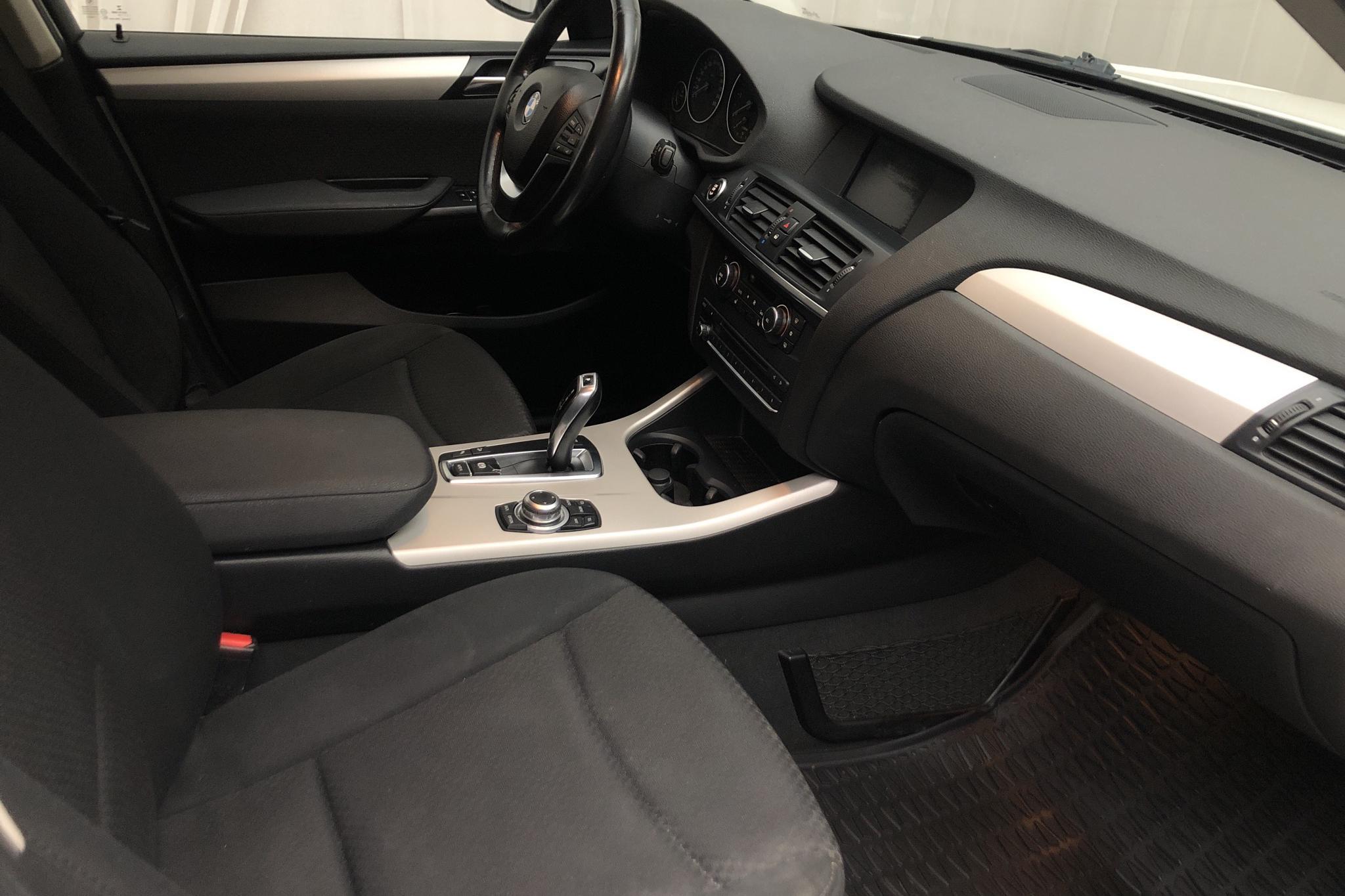 BMW X3 xDrive20d, F25 (184hk) - 202 110 km - Automatic - white - 2011