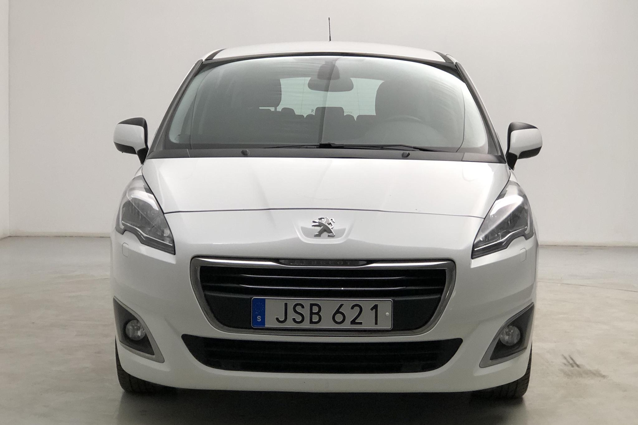 Peugeot 5008 BlueHDi (120hk) - 20 050 mil - Manuell - vit - 2016