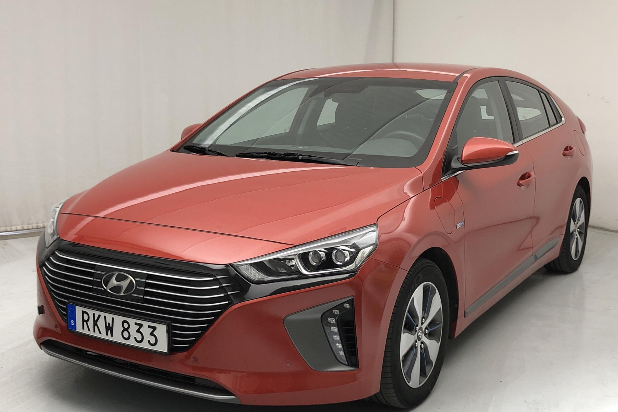 Hyundai IONIQ Plug-in (141hk) - 74 270 km - Automatic - orange - 2017