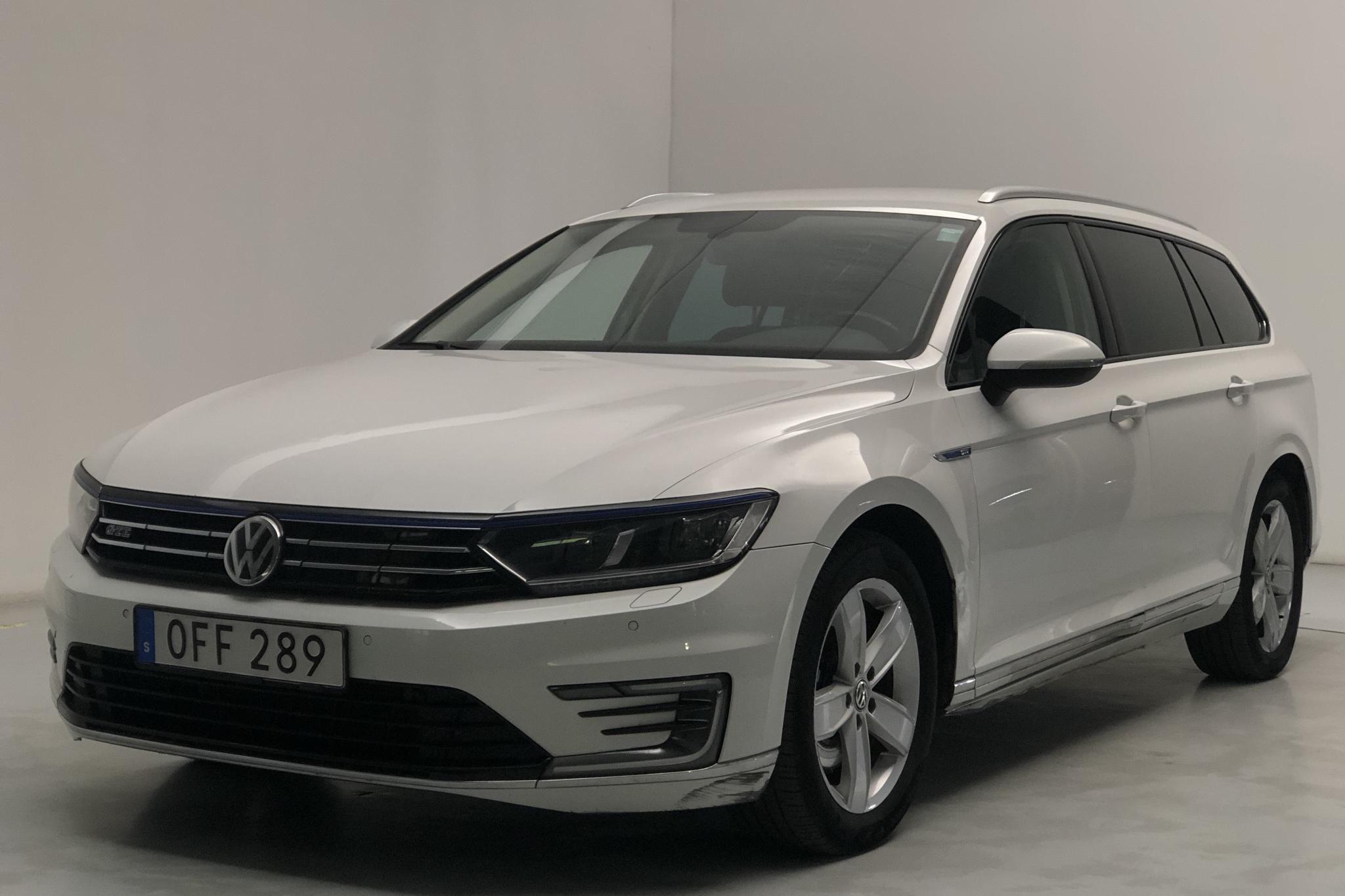 VW Passat 1.4 Plug-in-Hybrid Sportscombi (218hk) - 115 520 km - Automatic - white - 2017