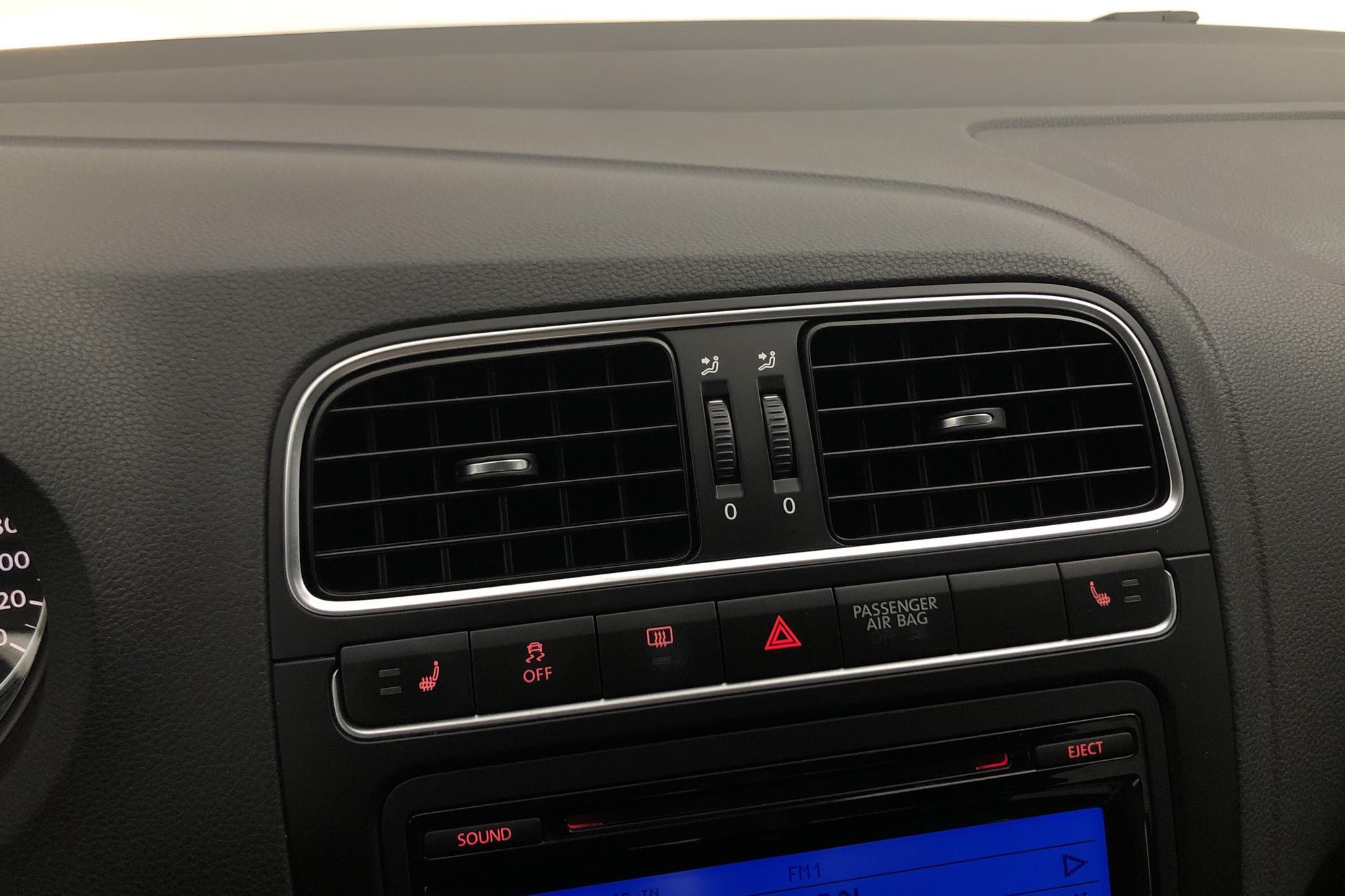 VW Polo 1.4 5dr (85hk) - 6 790 mil - Manuell - silver - 2010