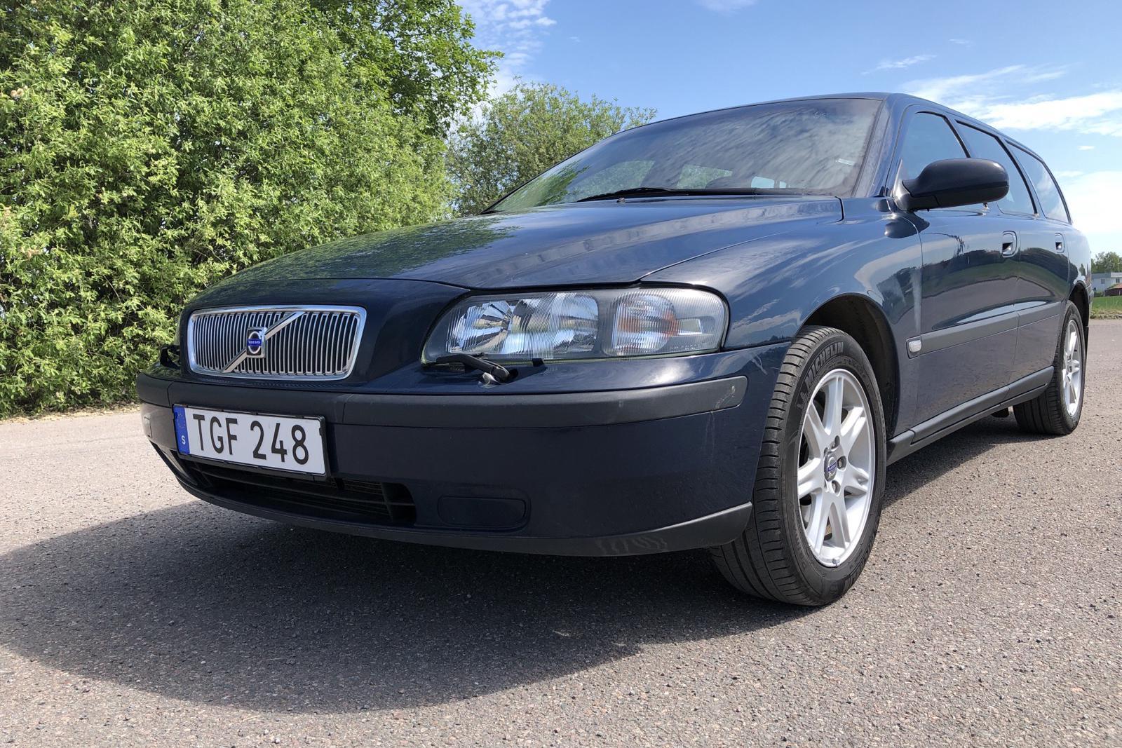 Volvo V70 2.4 (140hk) - 16 779 mil - Automat - Dark Blue - 2002