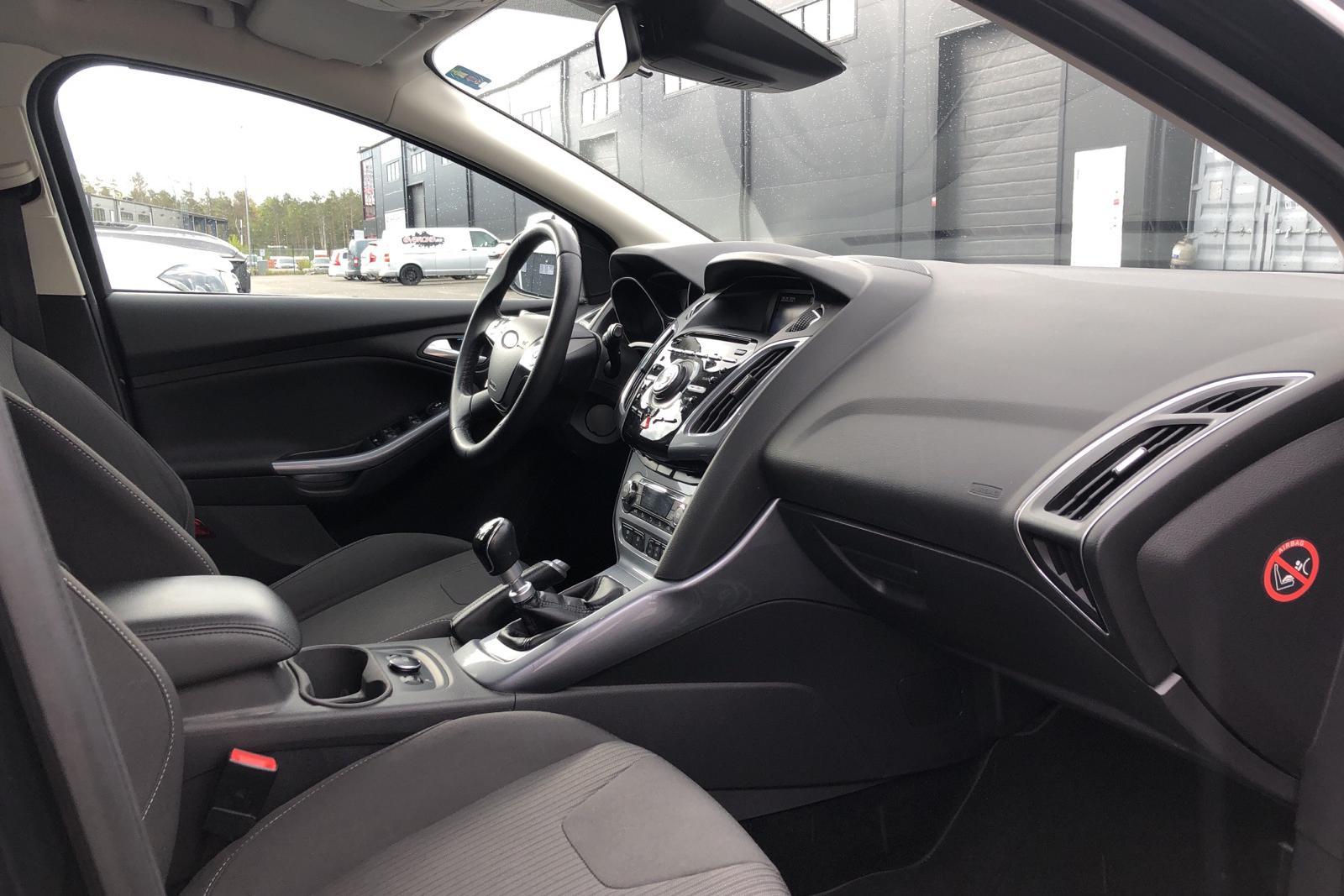 Ford Focus 1.6 EcoBoost Kombi (182hk) - 12 735 mil - Manuell - svart - 2013