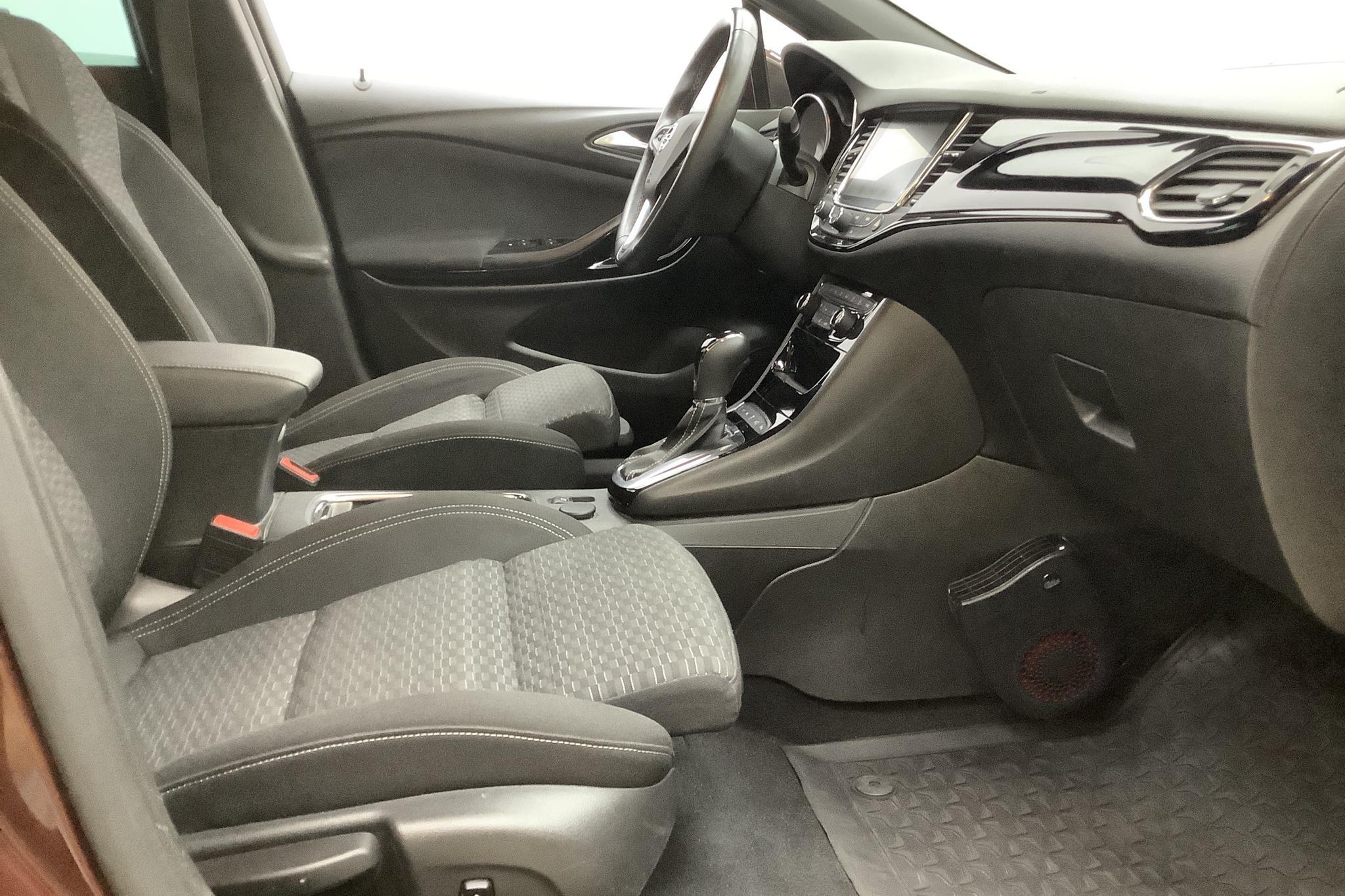 Opel Astra 1.4 Turbo ECOTEC SportsTourer (150hk) - 4 614 mil - Automat - röd - 2018