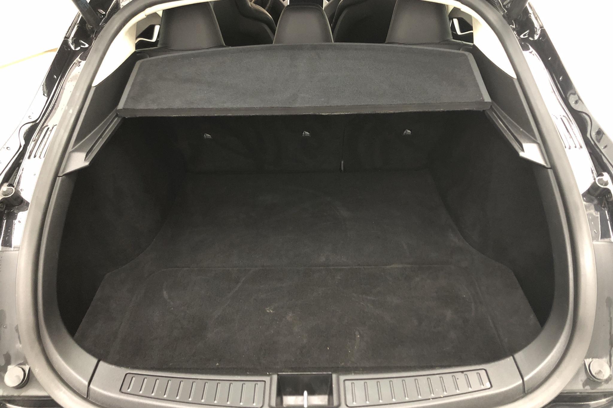 Tesla Model S 85D (380hk) - 8 818 mil - Automat - svart - 2016