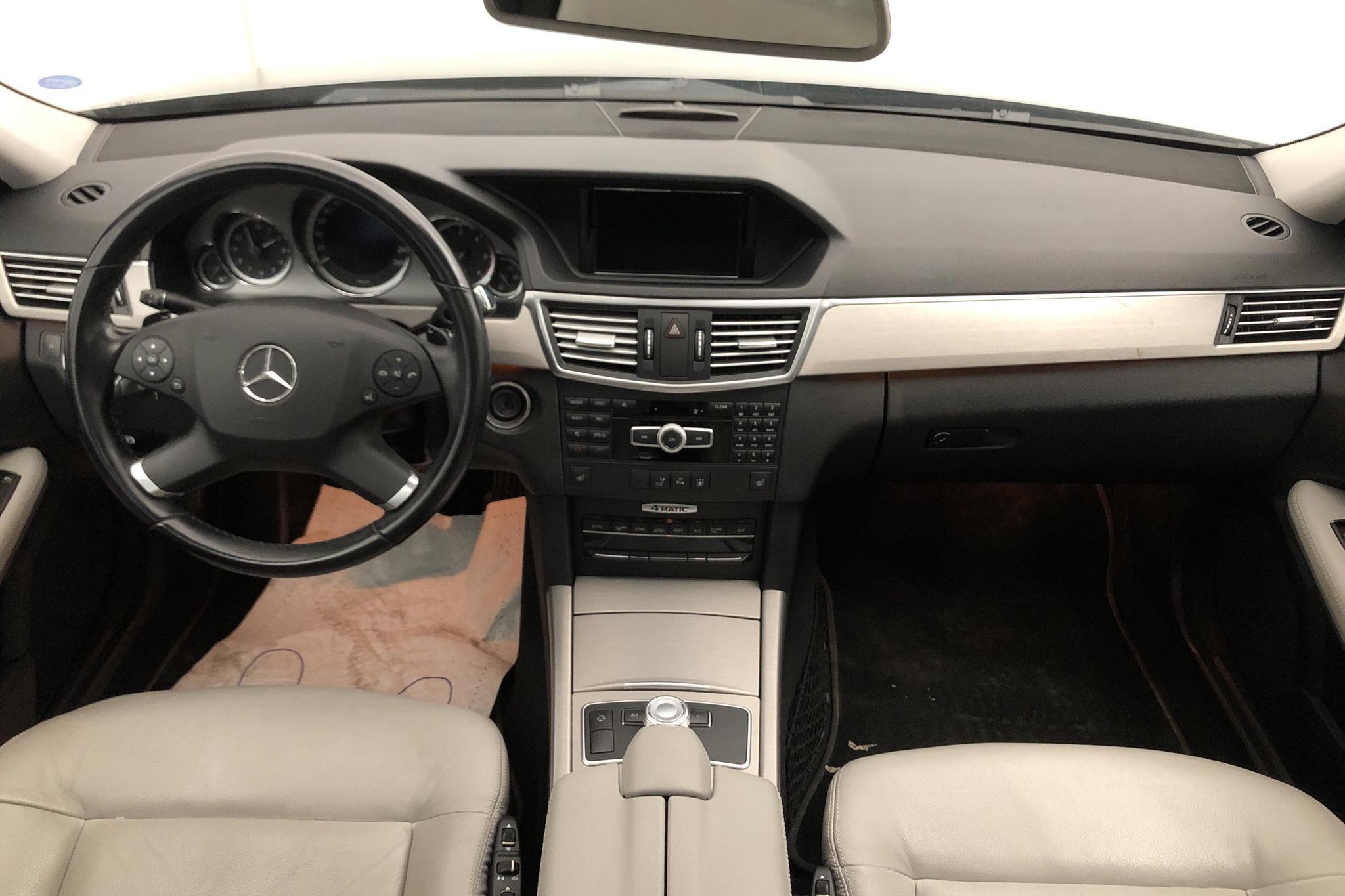 Mercedes E 350 CDI Kombi 4Matic S212 (265hk) - 16 332 mil - Automat - grå - 2012