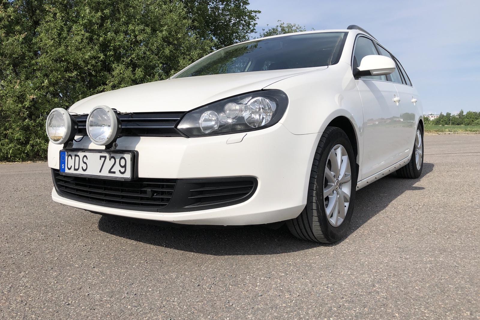 VW Golf VI 1.6 TDI Variant (105hk) - 100 550 km - Manual - white - 2012