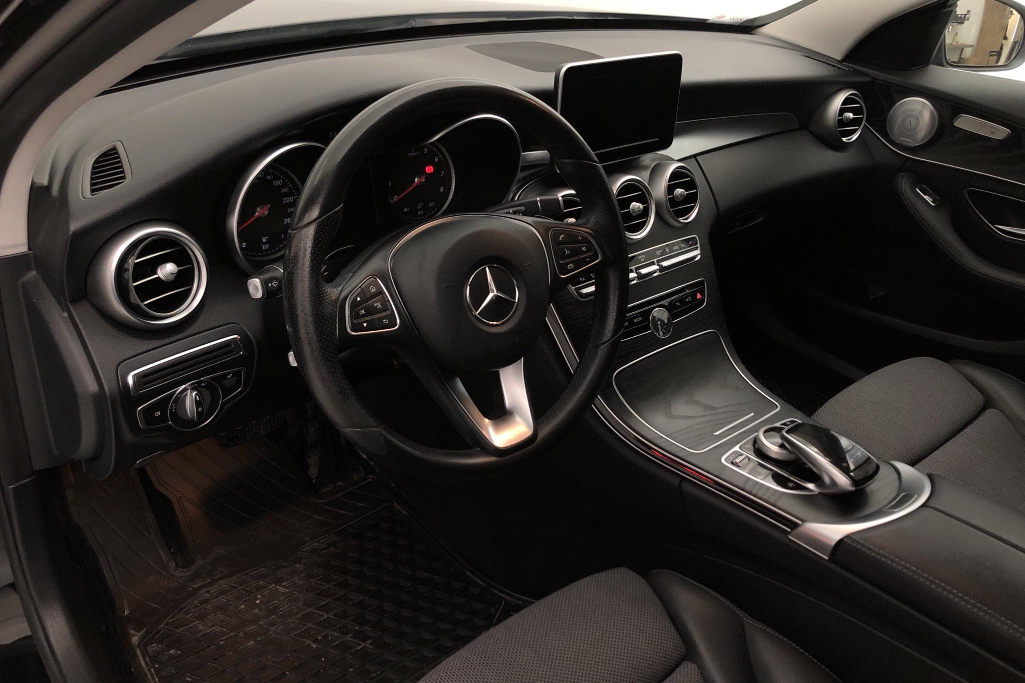 Mercedes C 200 4MATIC Kombi S205 (184hk) - 112 620 km - Automatic - black - 2018